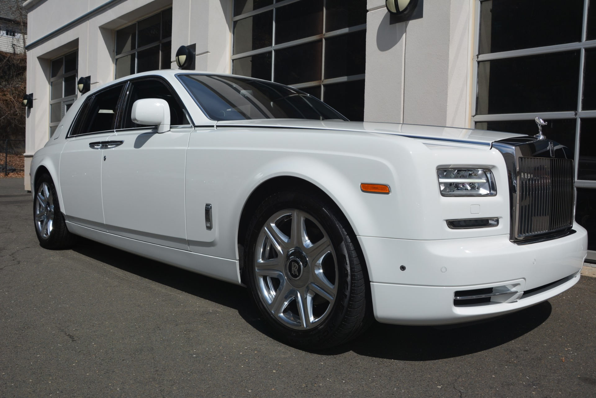 Used 2014 Rolls-Royce Phantom  For Sale In Westport, CT 2998_p13