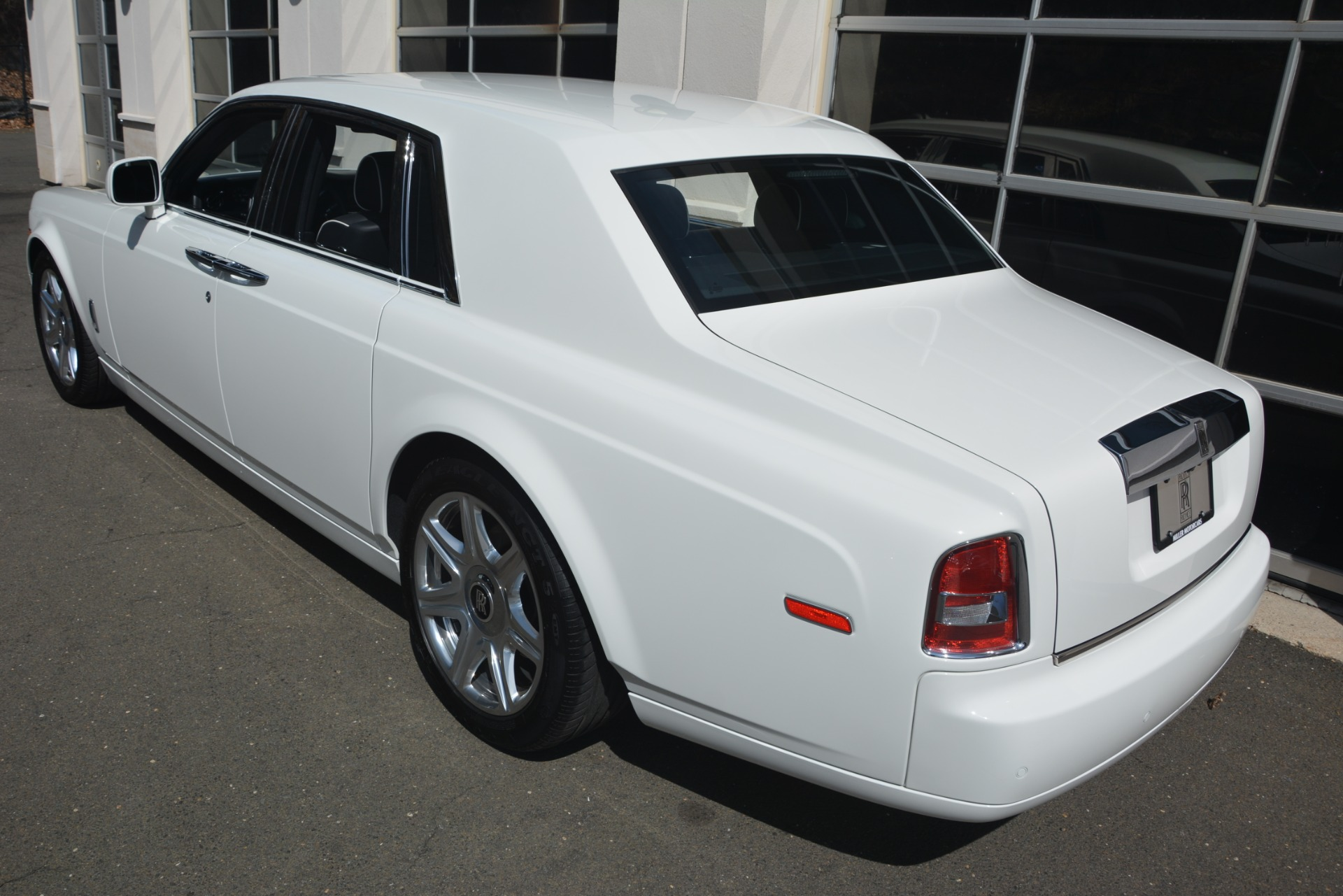 Used 2014 Rolls-Royce Phantom  For Sale In Westport, CT 2998_p5