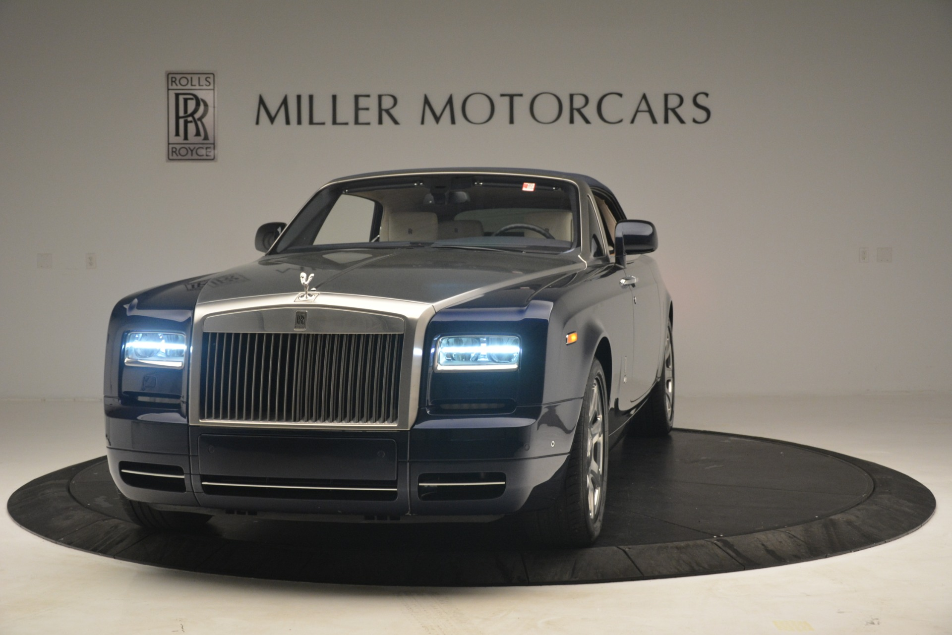 Used 2013 Rolls-Royce Phantom Drophead Coupe  For Sale In Westport, CT 2999_p16