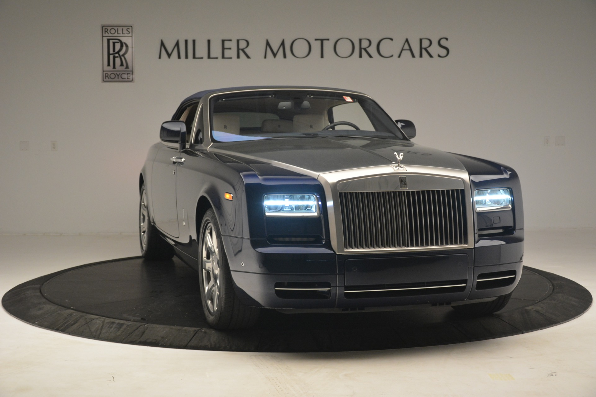 Used 2013 Rolls-Royce Phantom Drophead Coupe  For Sale In Westport, CT 2999_p28