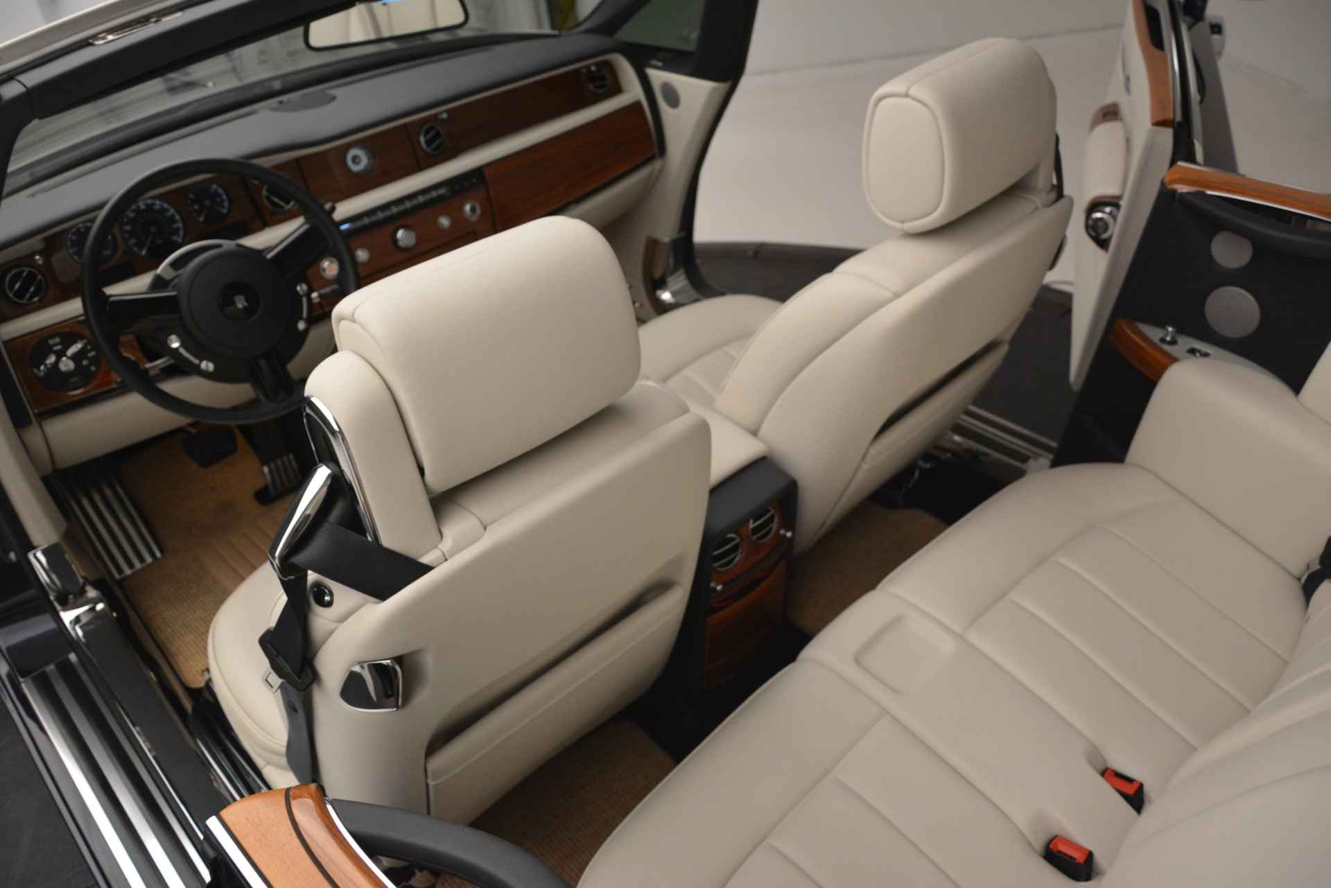 Used 2013 Rolls-Royce Phantom Drophead Coupe  For Sale In Westport, CT 2999_p31