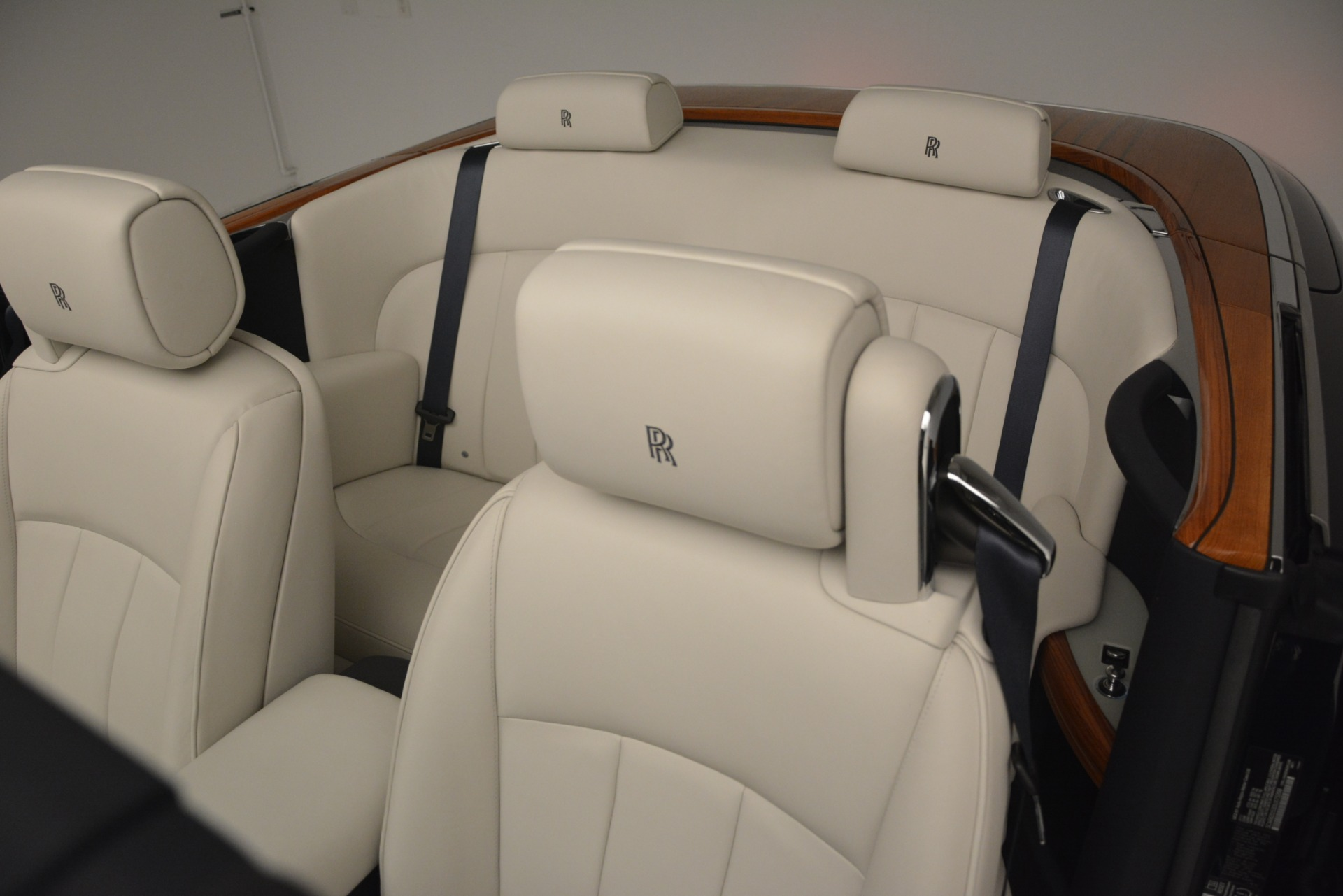 Used 2013 Rolls-Royce Phantom Drophead Coupe  For Sale In Westport, CT 2999_p32