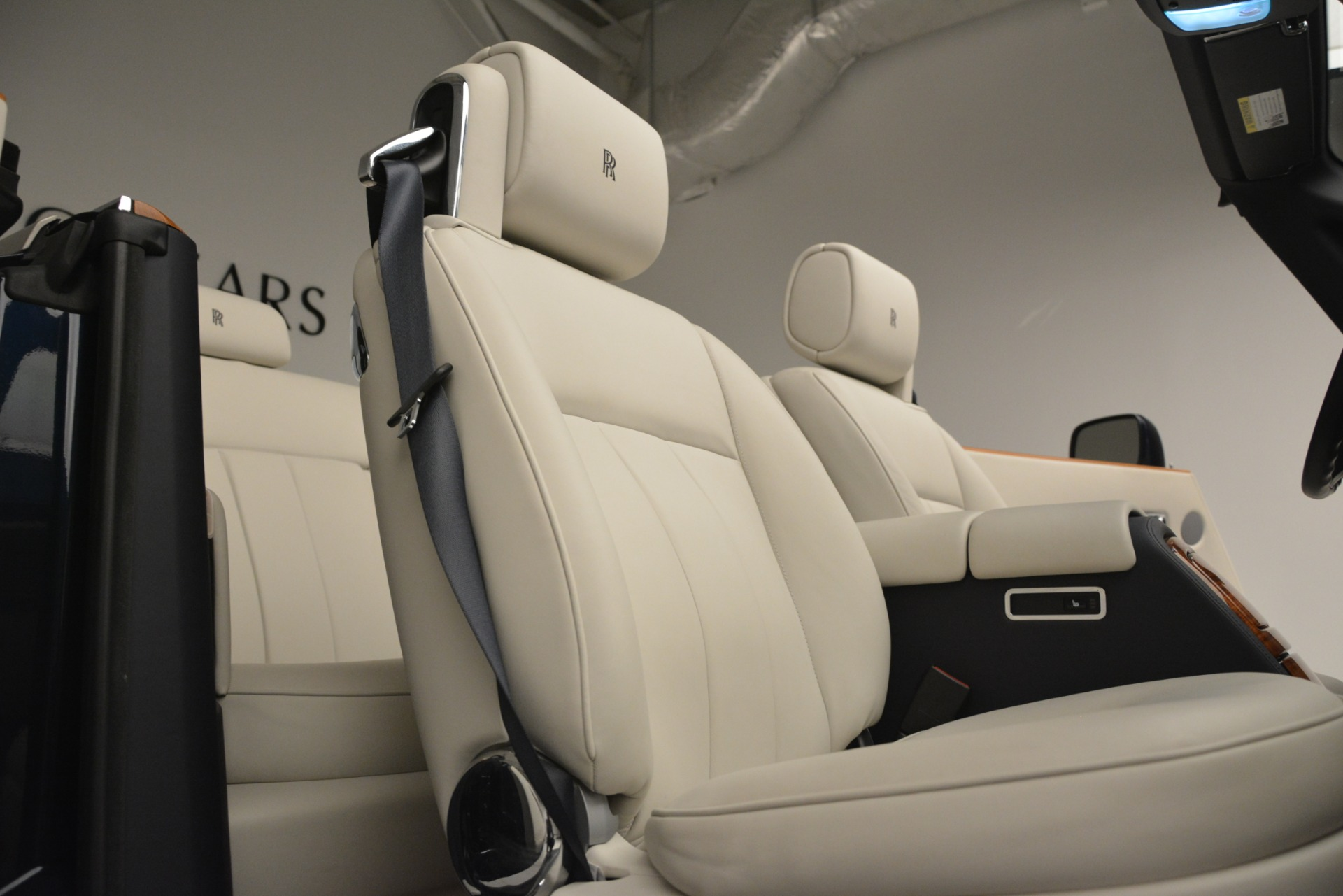 Used 2013 Rolls-Royce Phantom Drophead Coupe  For Sale In Westport, CT 2999_p37