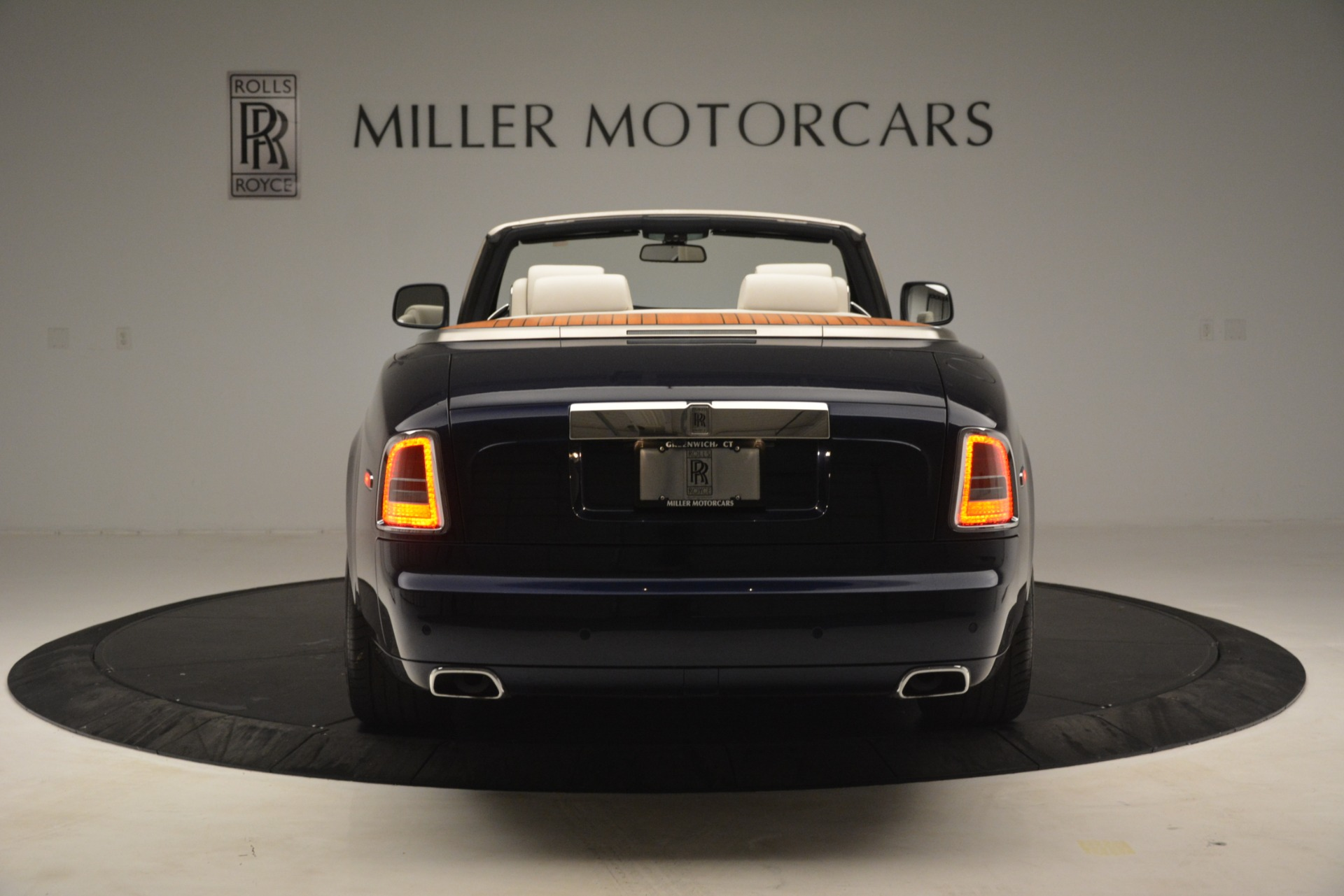 Used 2013 Rolls-Royce Phantom Drophead Coupe  For Sale In Westport, CT 2999_p9