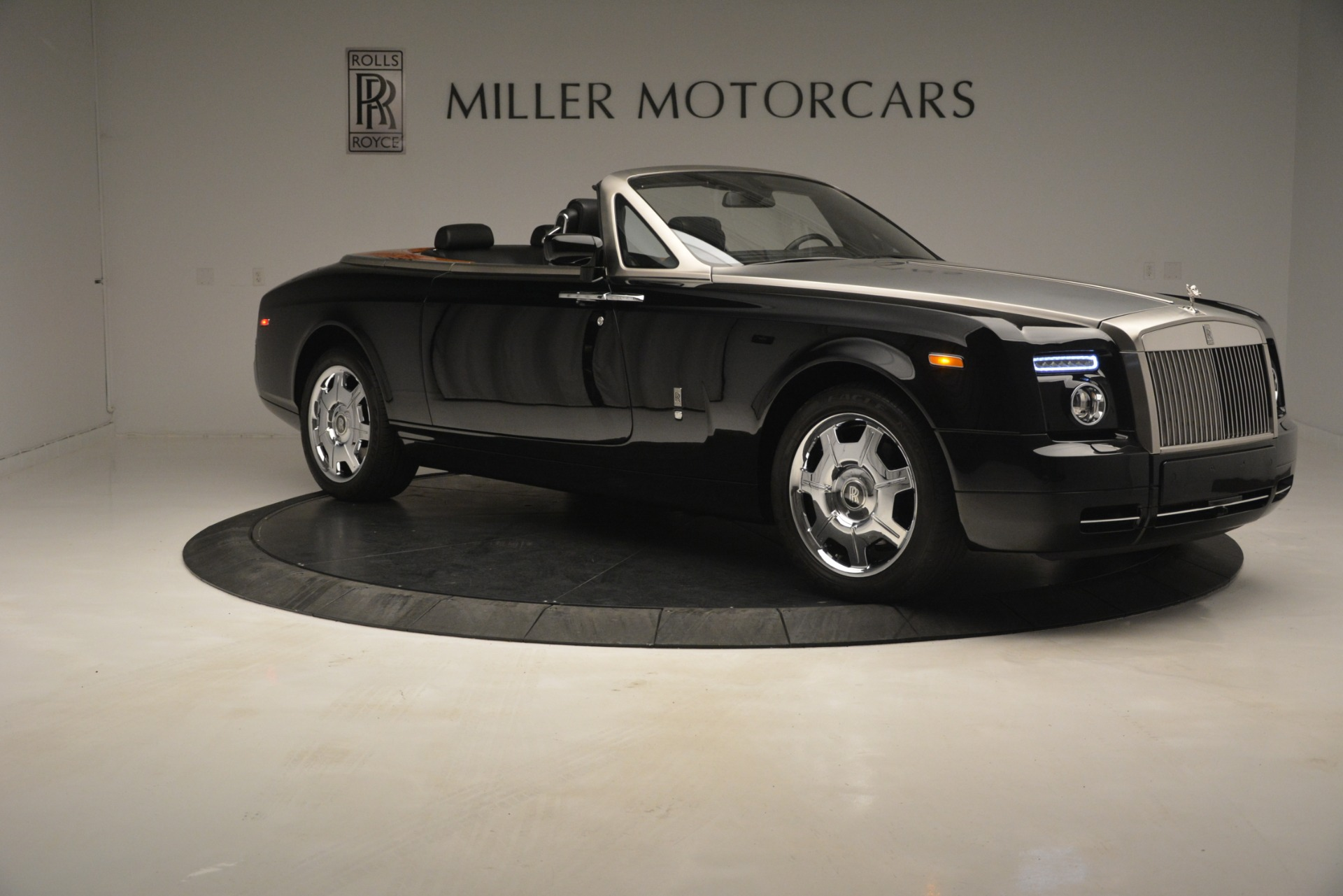 Used 2008 Rolls-Royce Phantom Drophead Coupe  For Sale In Westport, CT 3000_p15