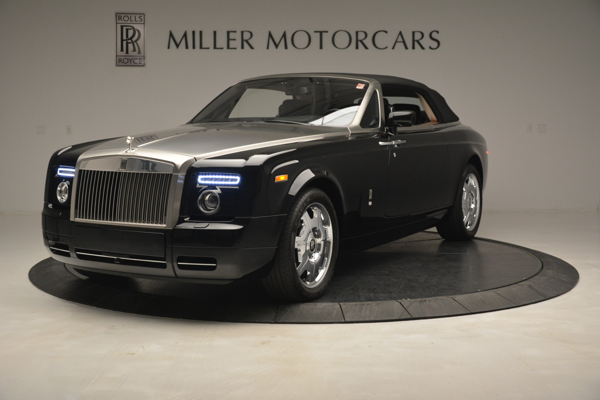 Used 2008 Rolls-Royce Phantom Drophead Coupe  For Sale In Westport, CT 3000_p34