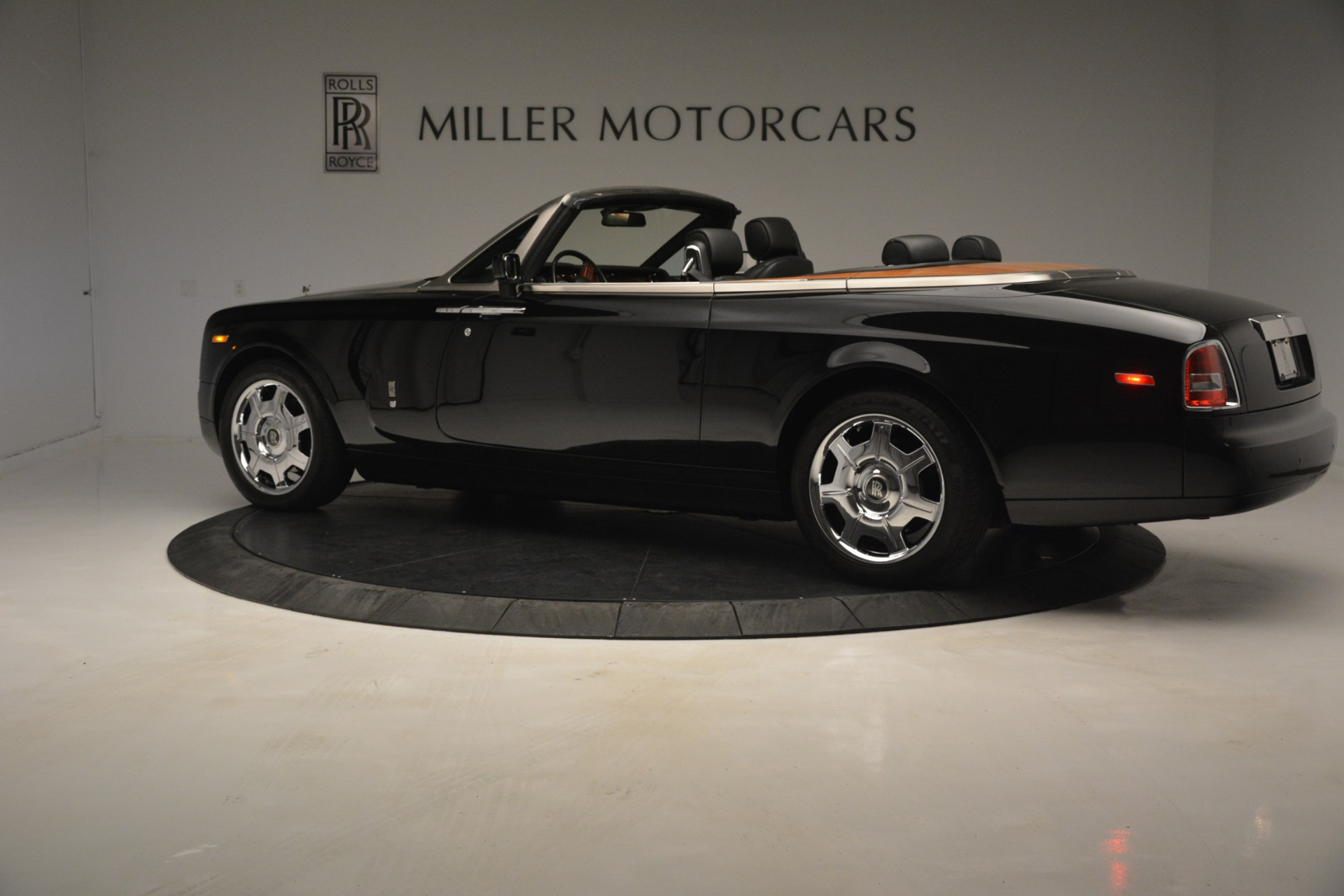 Used 2008 Rolls-Royce Phantom Drophead Coupe  For Sale In Westport, CT 3000_p6