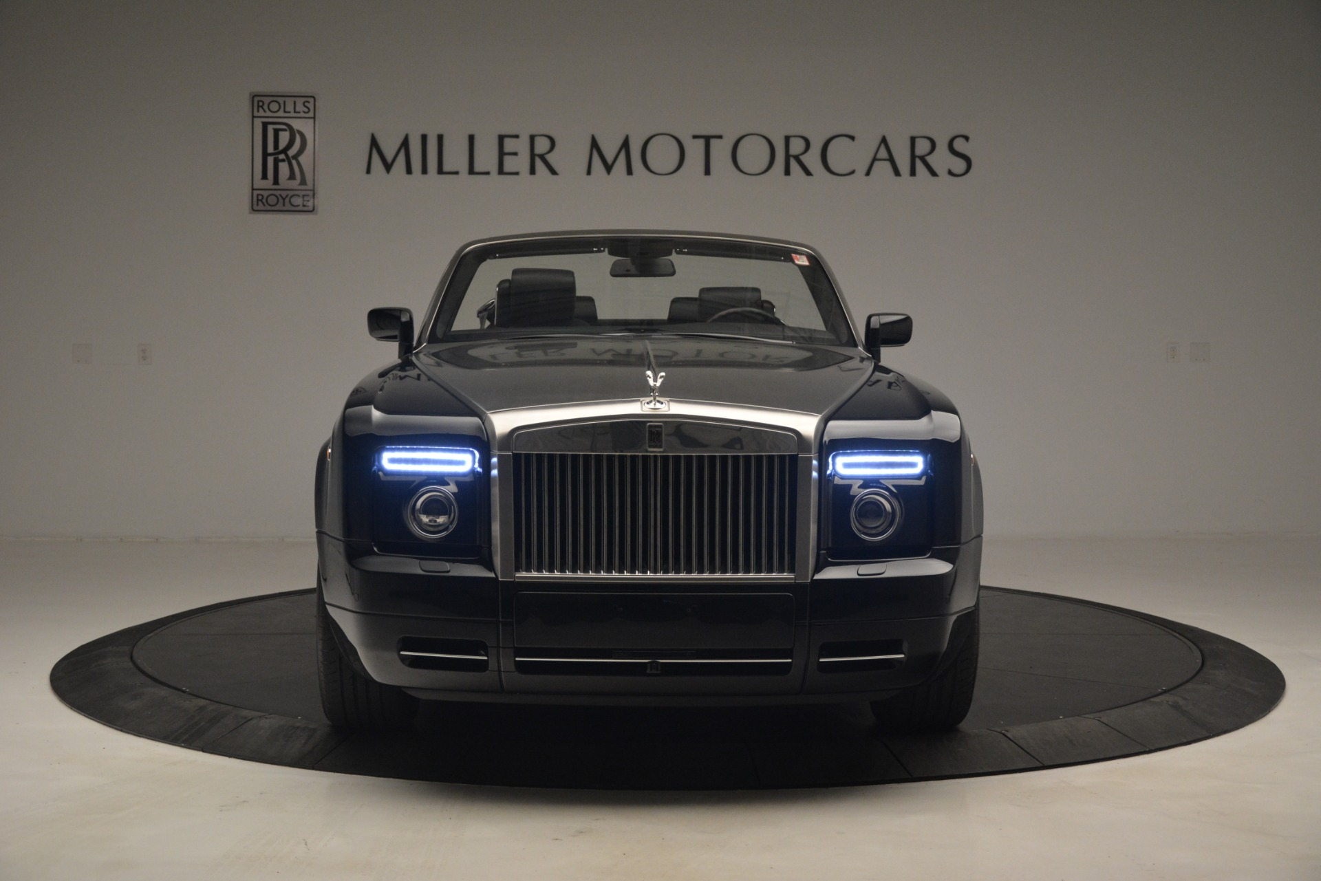 Used 2008 Rolls-Royce Phantom Drophead Coupe  For Sale In Westport, CT 3000_p8