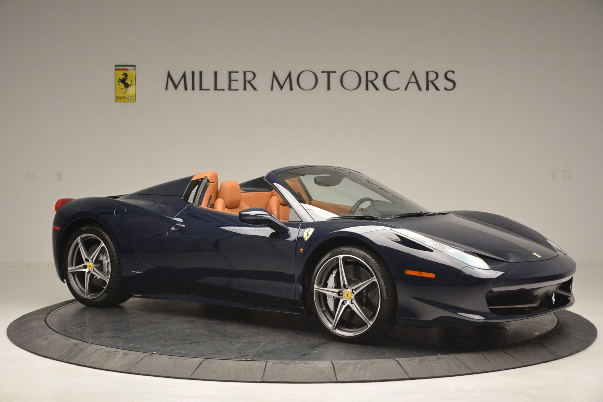 Used 2014 Ferrari 458 Spider  For Sale In Westport, CT 3013_p10