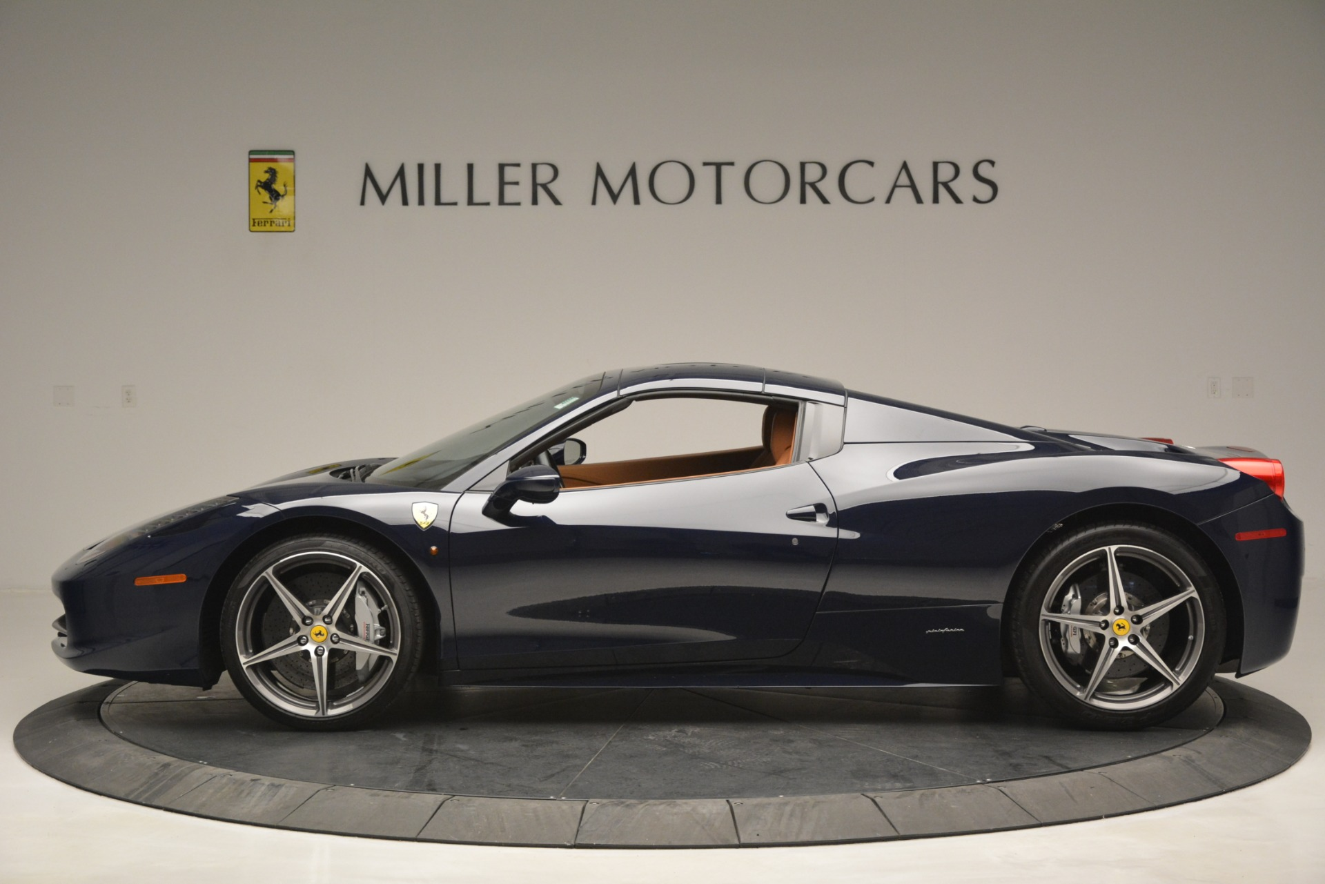 Used 2014 Ferrari 458 Spider  For Sale In Westport, CT 3013_p15