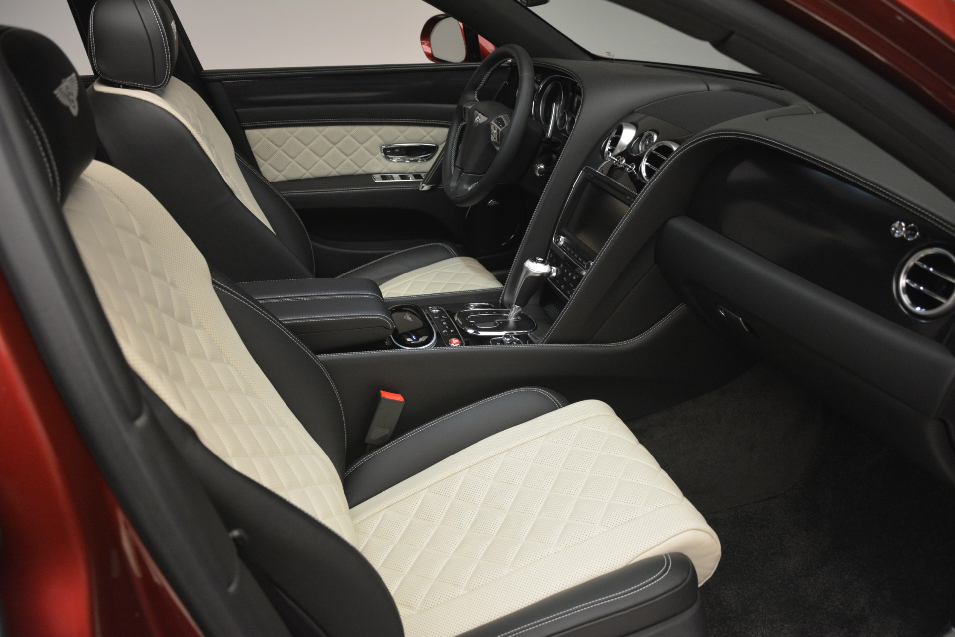 Used 2018 Bentley Flying Spur W12 S For Sale In Westport, CT 3014_p29