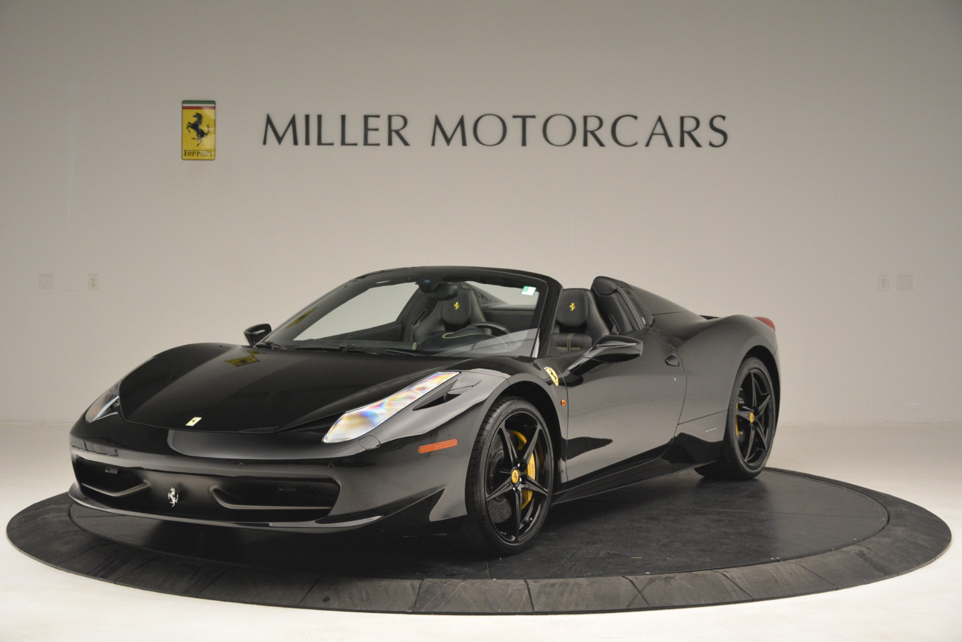 Used 2013 Ferrari 458 Spider  For Sale In Westport, CT 3024_main