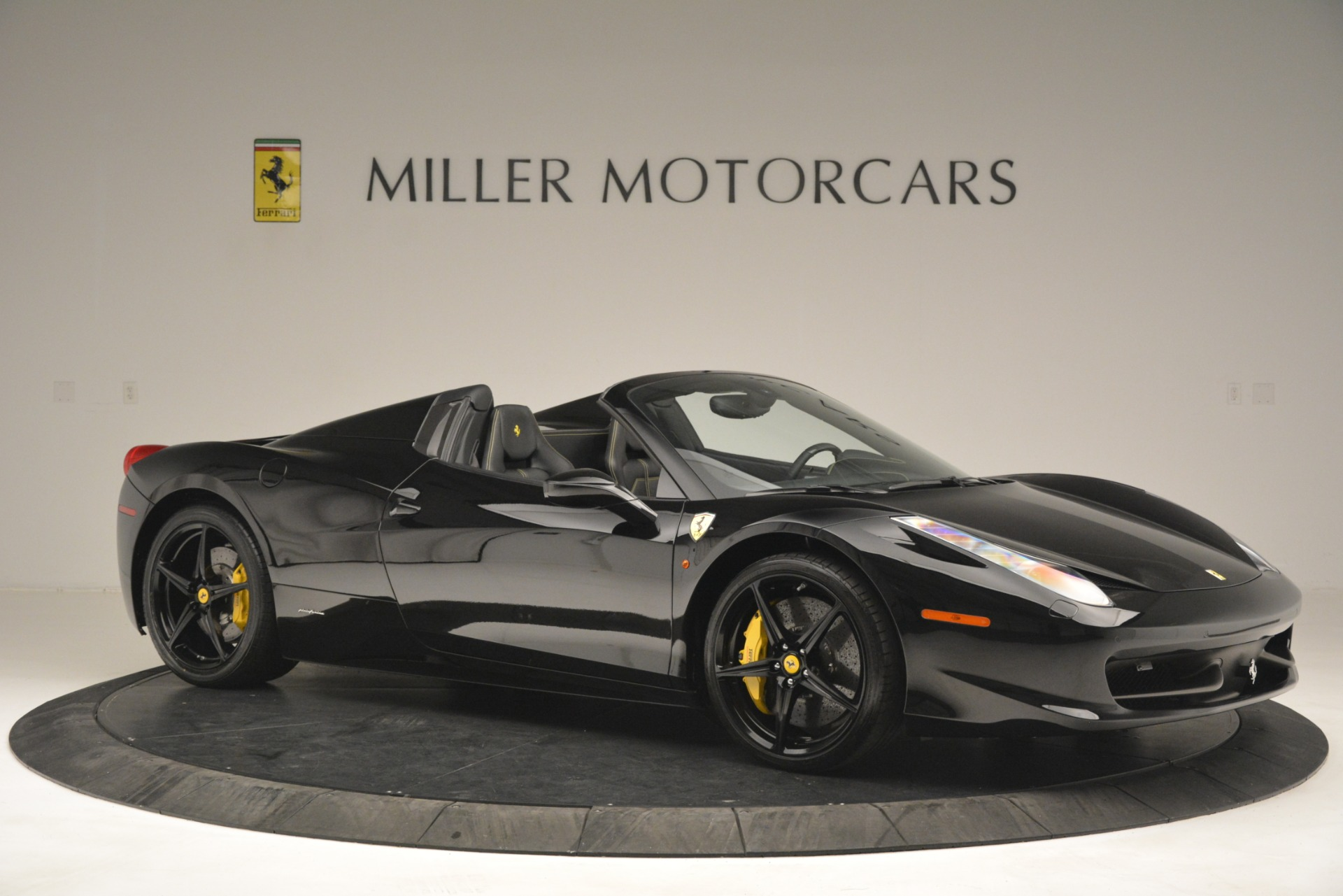 Used 2013 Ferrari 458 Spider  For Sale In Westport, CT 3024_p10
