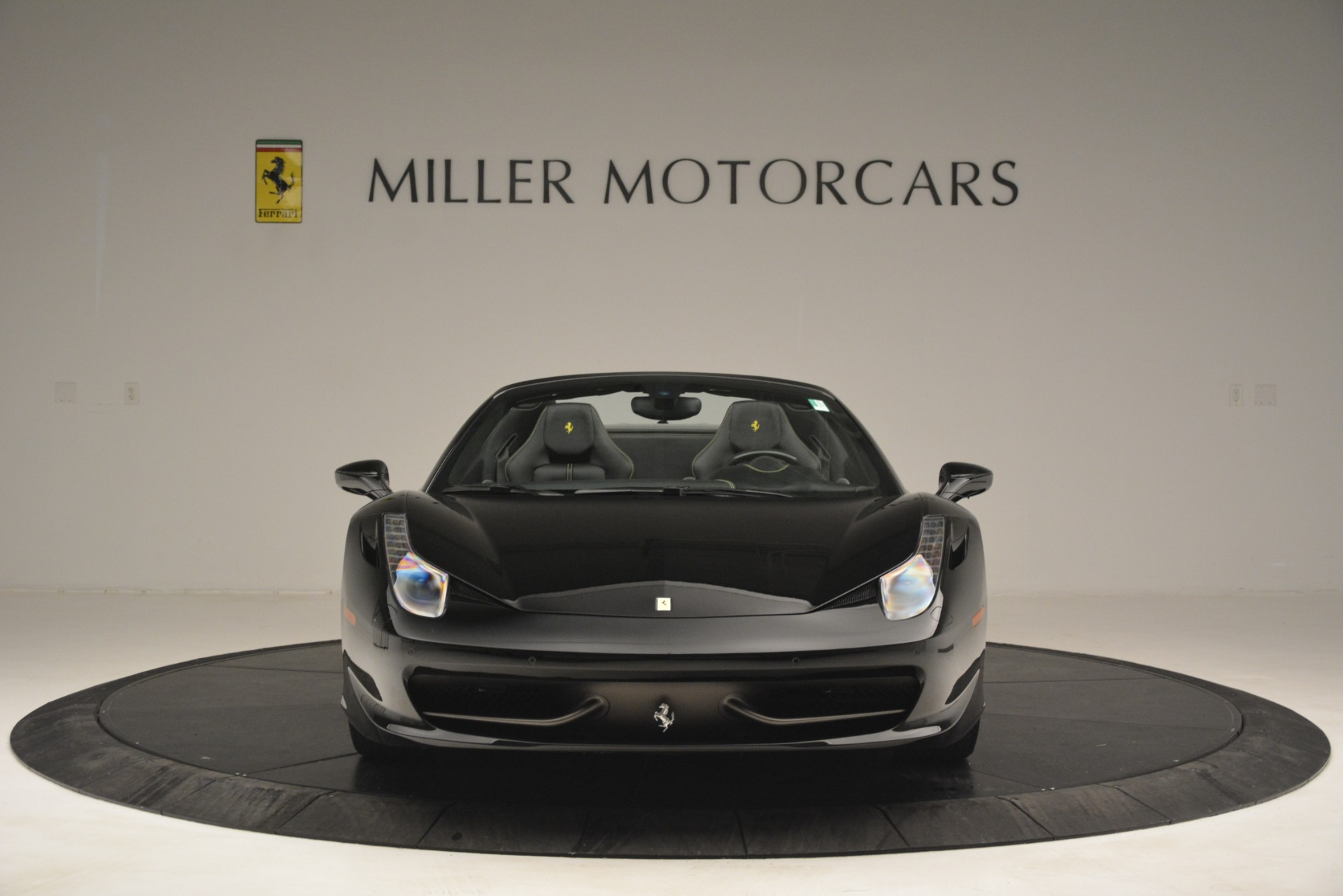 Used 2013 Ferrari 458 Spider  For Sale In Westport, CT 3024_p12