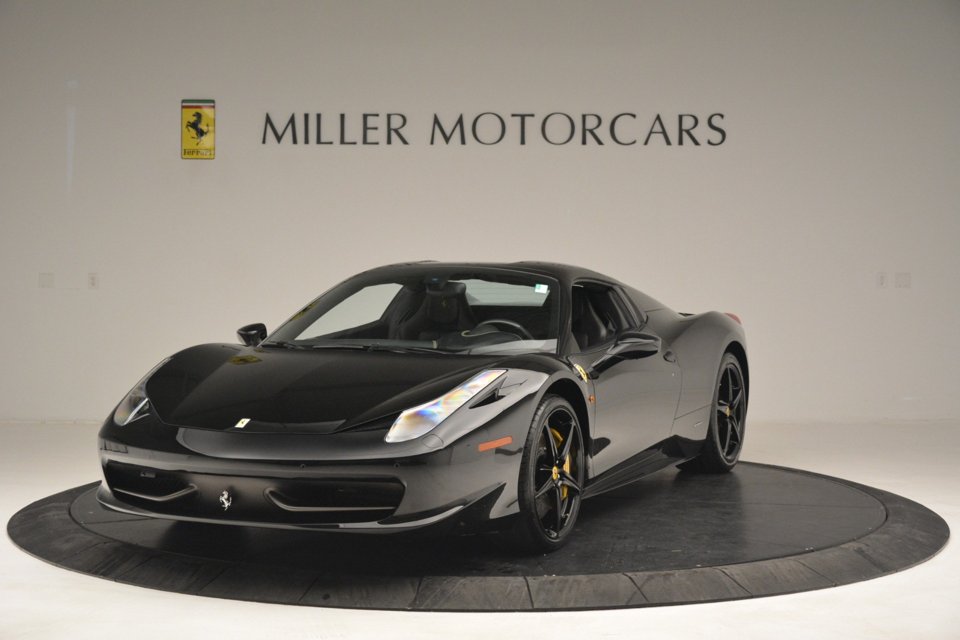 Used 2013 Ferrari 458 Spider  For Sale In Westport, CT 3024_p13