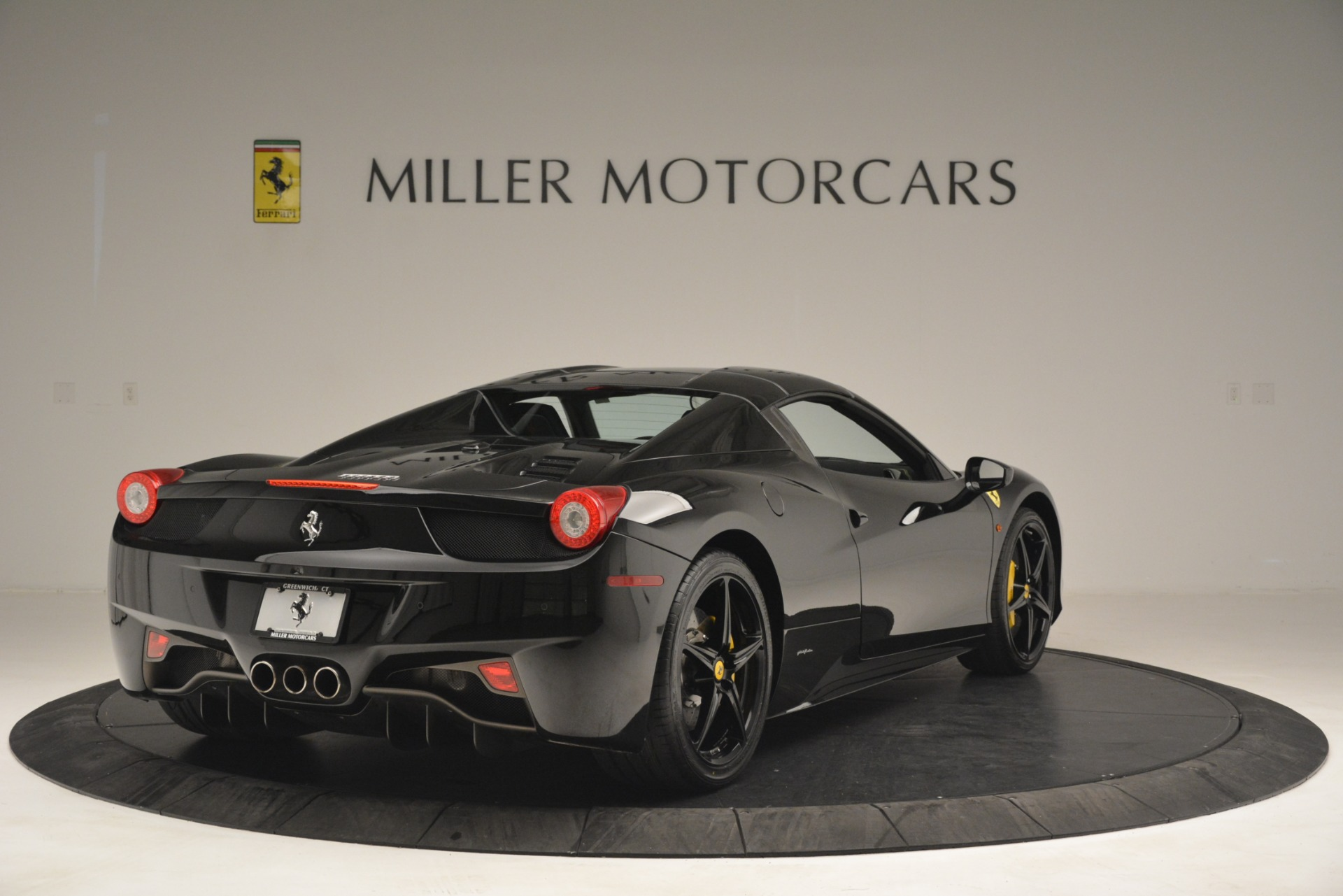 Used 2013 Ferrari 458 Spider  For Sale In Westport, CT 3024_p19