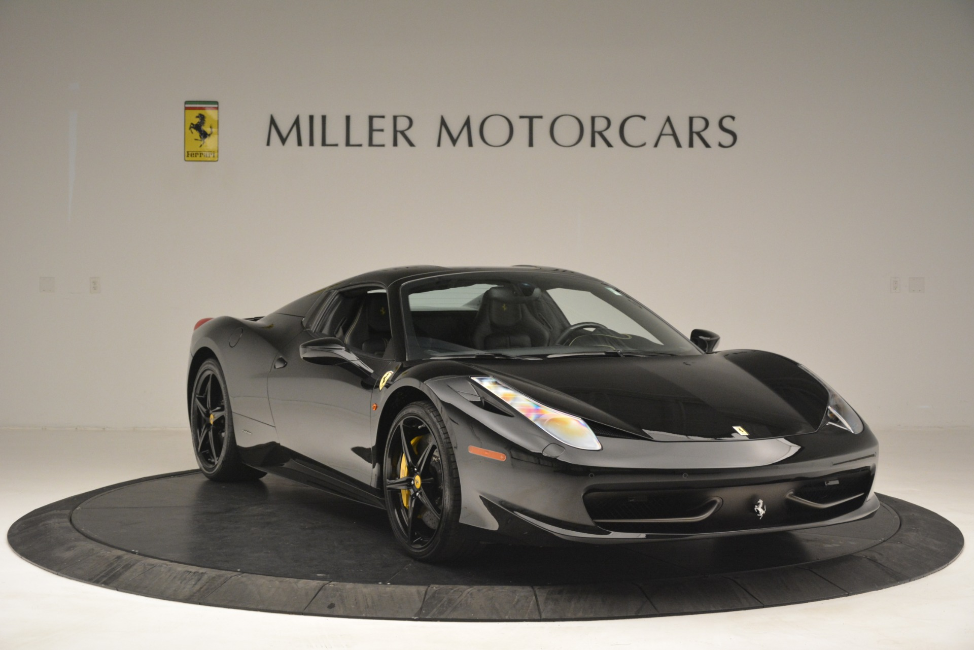 Used 2013 Ferrari 458 Spider  For Sale In Westport, CT 3024_p23