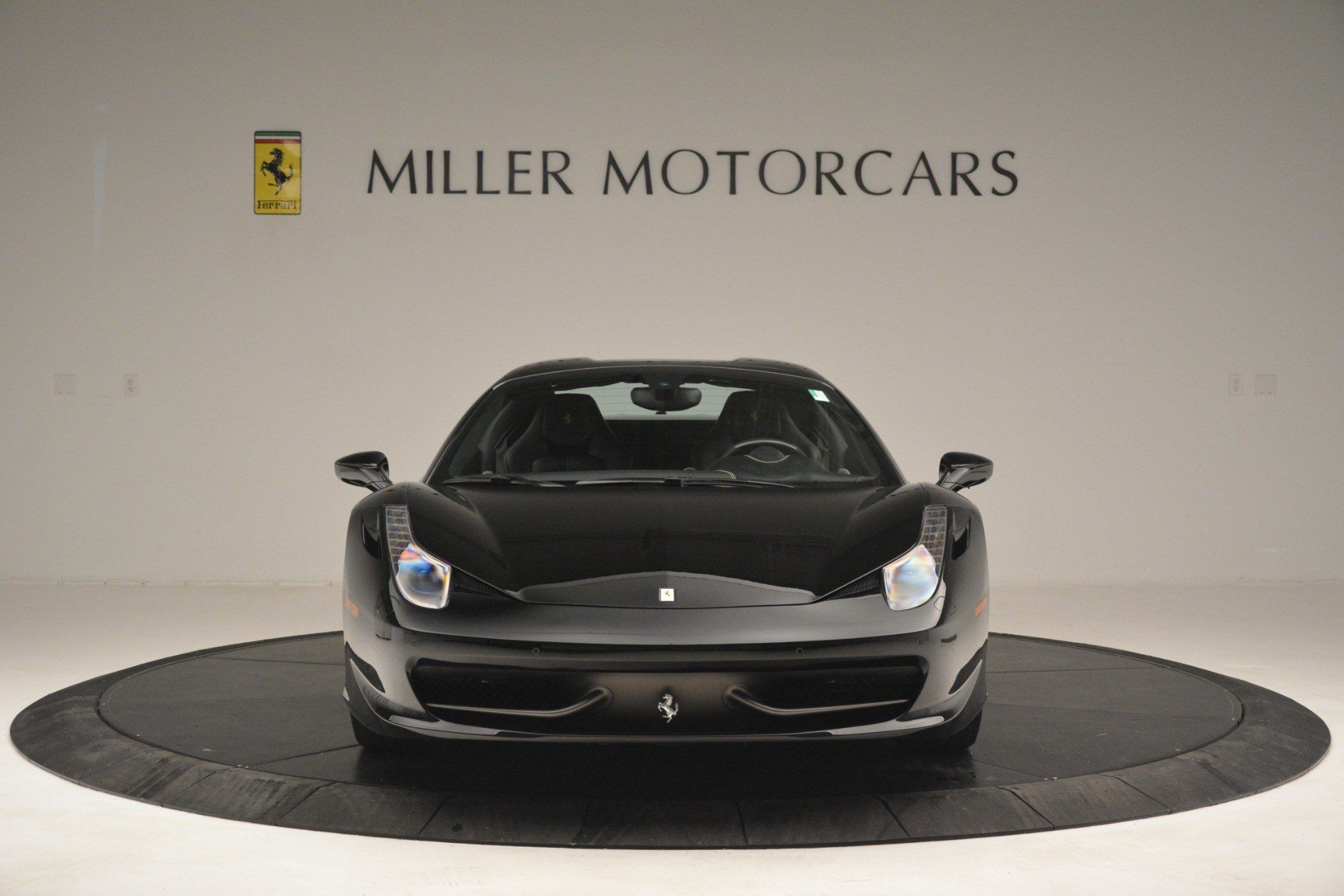 Used 2013 Ferrari 458 Spider  For Sale In Westport, CT 3024_p24