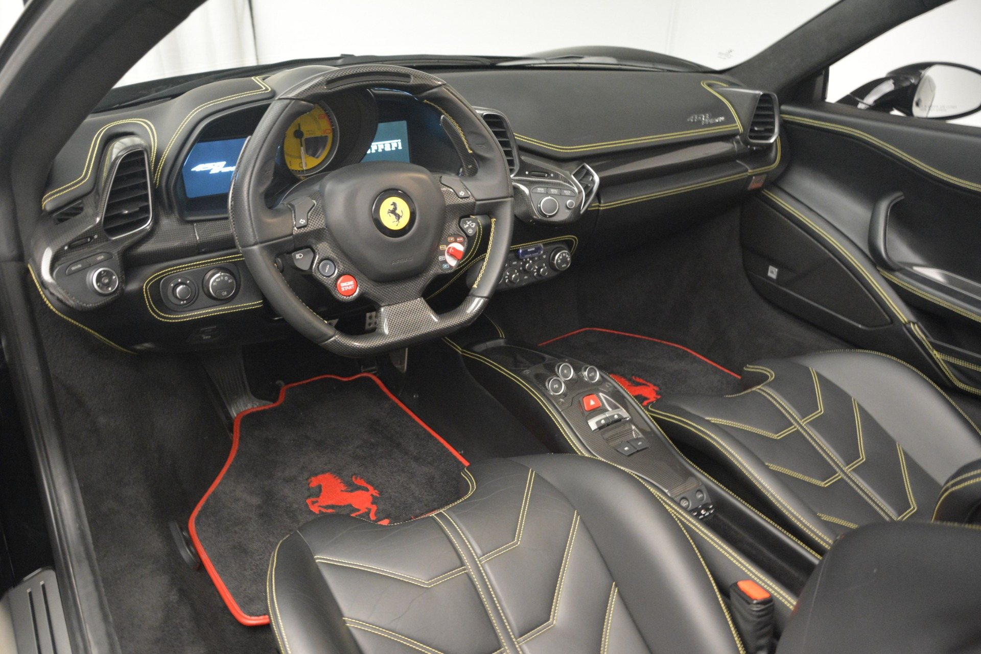 Used 2013 Ferrari 458 Spider  For Sale In Westport, CT 3024_p25