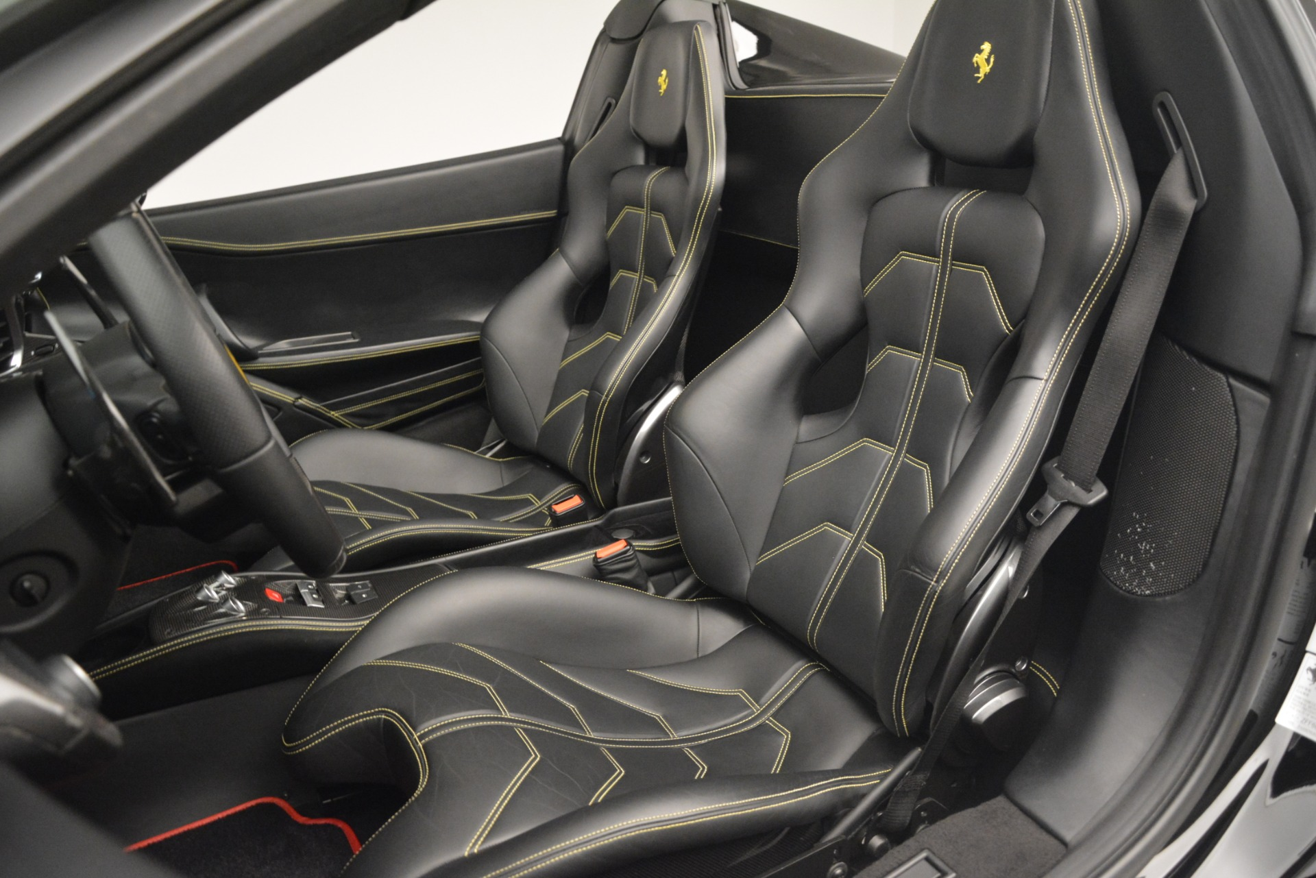 Used 2013 Ferrari 458 Spider  For Sale In Westport, CT 3024_p27