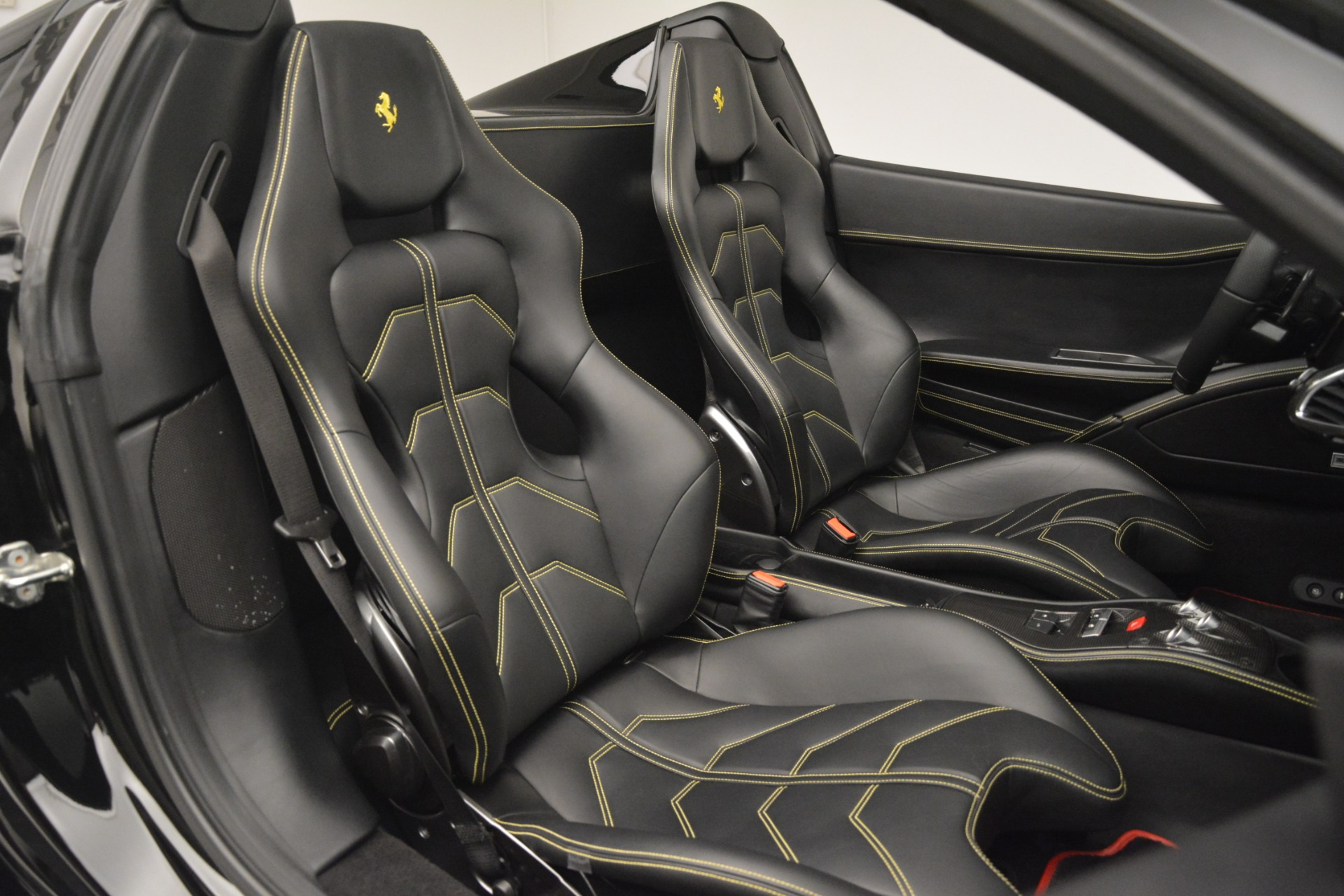 Used 2013 Ferrari 458 Spider  For Sale In Westport, CT 3024_p31