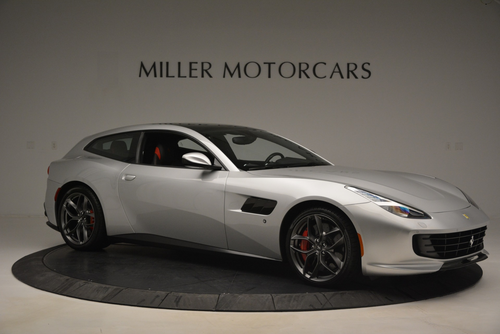 Used 2018 Ferrari GTC4Lusso T  For Sale In Westport, CT 3031_p10