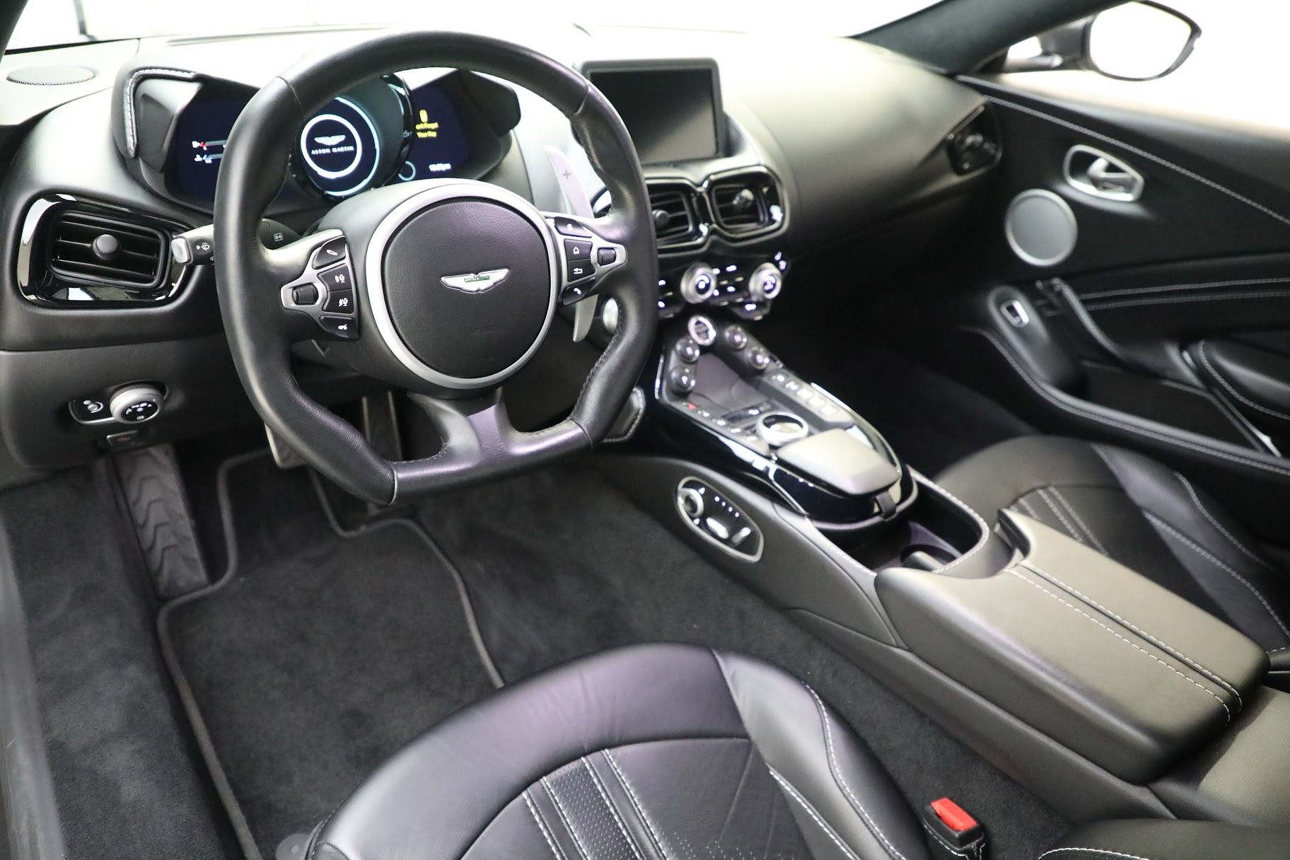 New 2019 Aston Martin Vantage Coupe For Sale In Westport, CT 3032_p13