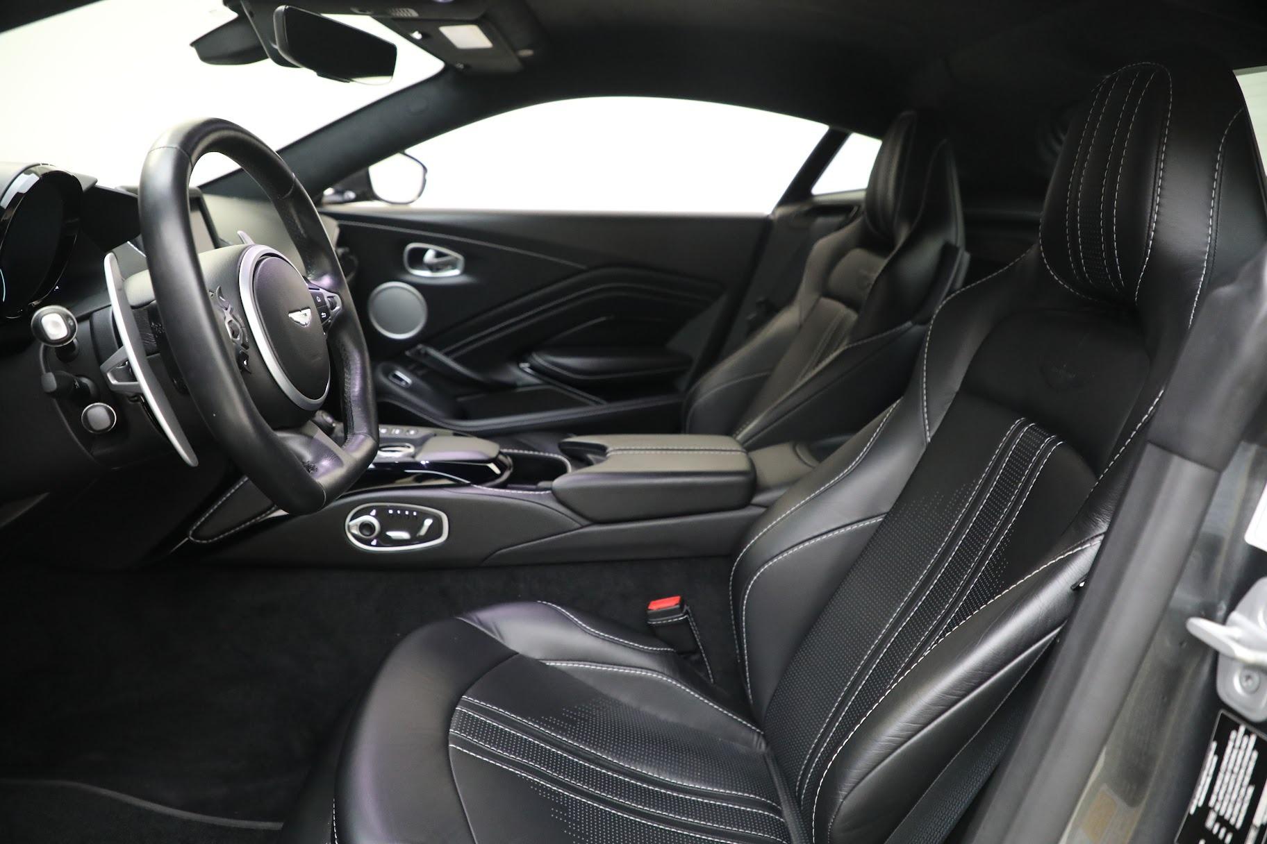 New 2019 Aston Martin Vantage Coupe For Sale In Westport, CT 3032_p14