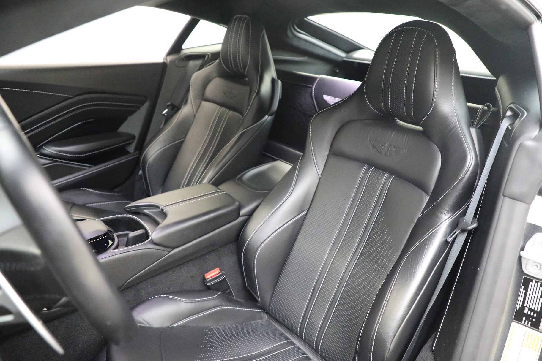 New 2019 Aston Martin Vantage Coupe For Sale In Westport, CT 3032_p15