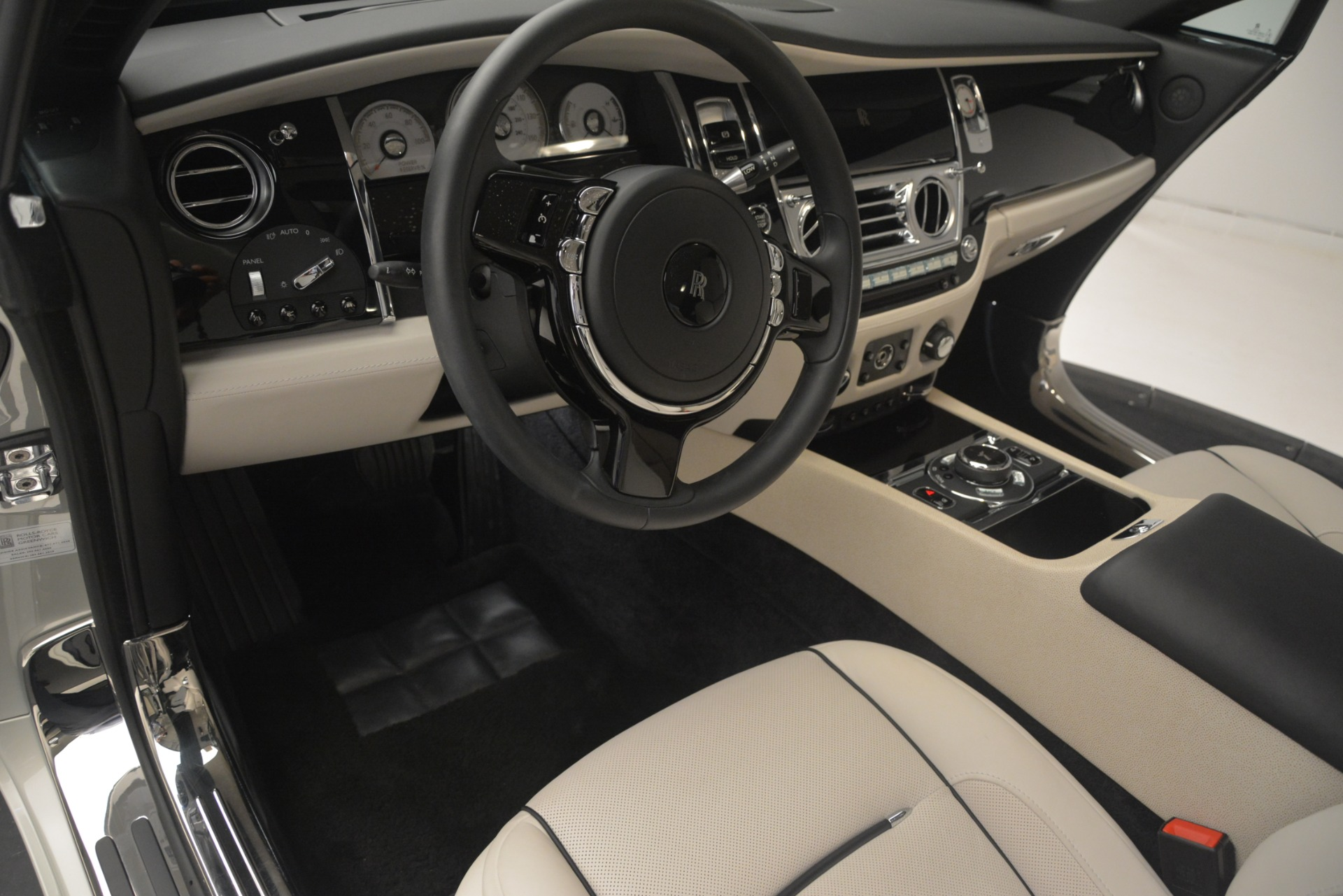 Used 2016 Rolls-Royce Wraith  For Sale In Westport, CT 3043_p24