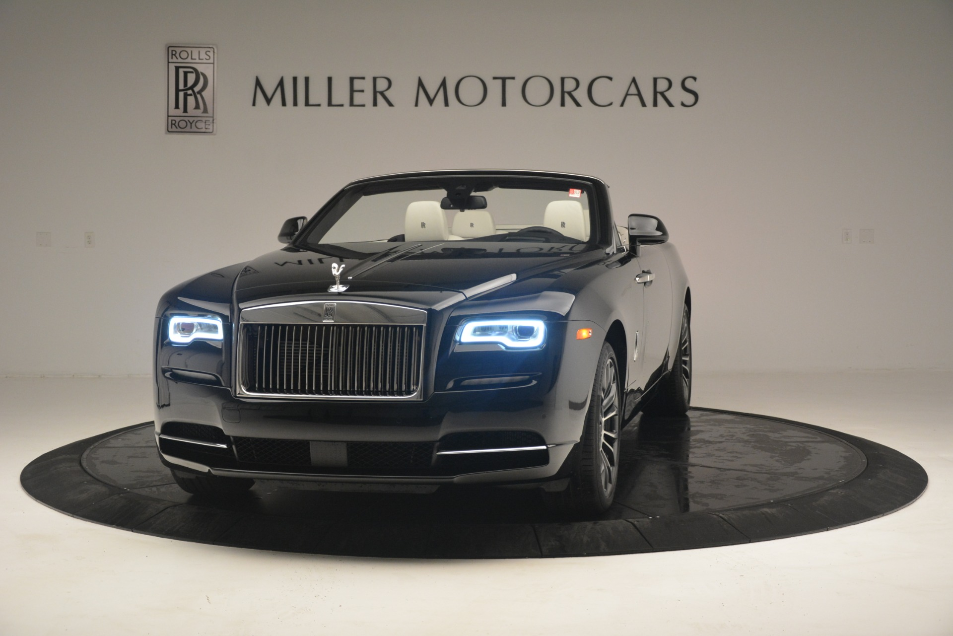 Used 2018 Rolls-Royce Dawn  For Sale In Westport, CT 3044_main