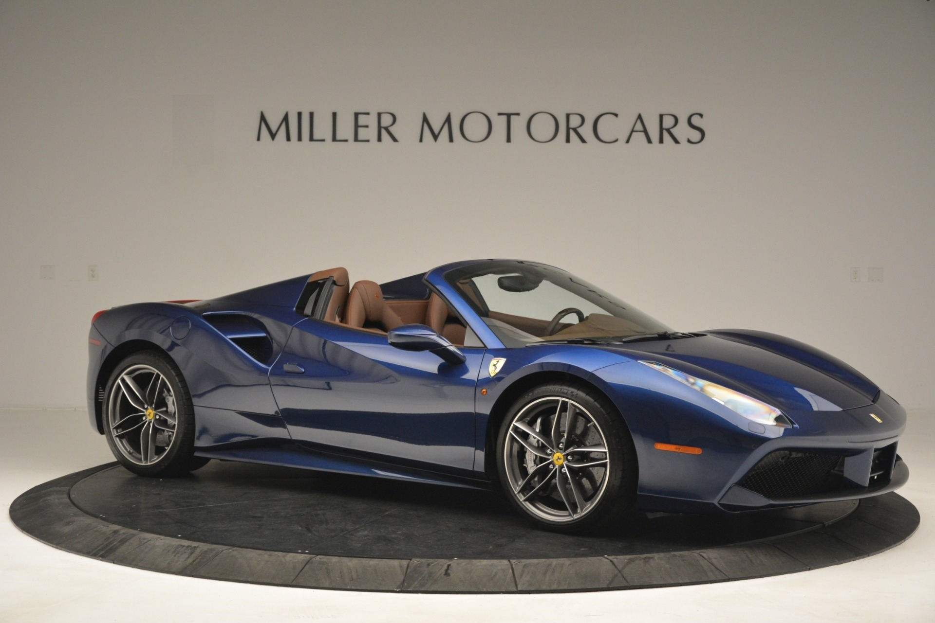 Used 2018 Ferrari 488 Spider  For Sale In Westport, CT 3045_p10