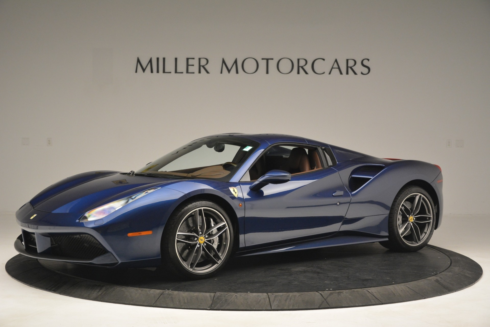 Used 2018 Ferrari 488 Spider  For Sale In Westport, CT 3045_p14