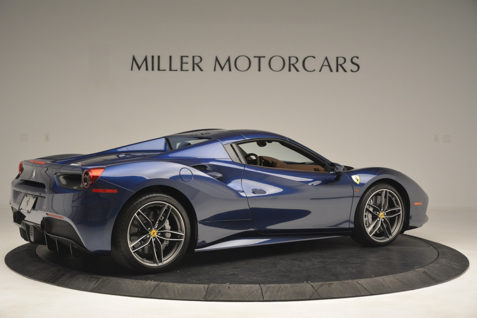 Used 2018 Ferrari 488 Spider  For Sale In Westport, CT 3045_p20