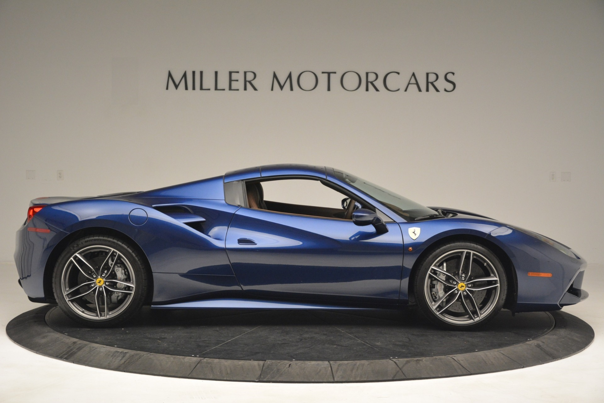 Used 2018 Ferrari 488 Spider  For Sale In Westport, CT 3045_p21