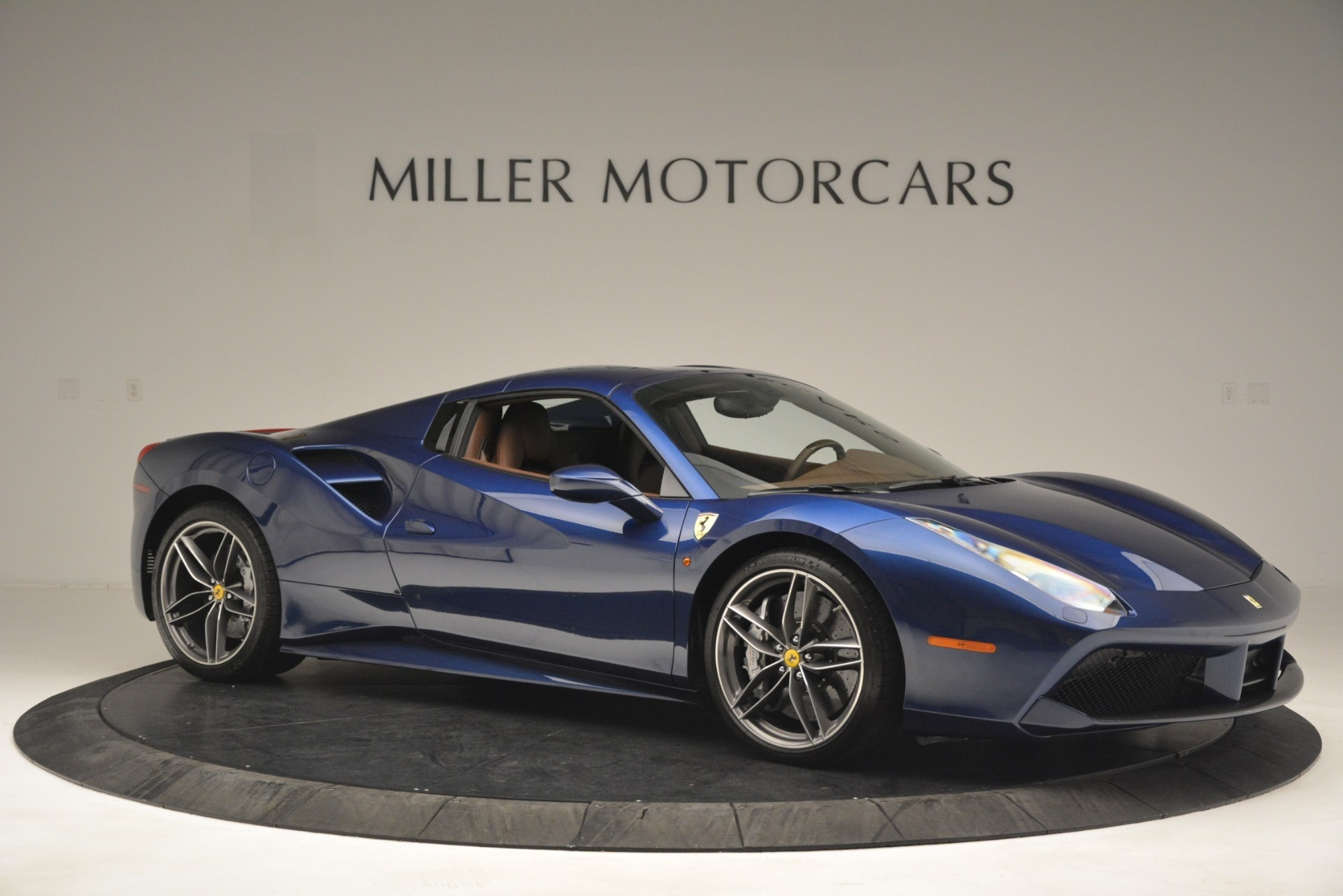 Used 2018 Ferrari 488 Spider  For Sale In Westport, CT 3045_p22
