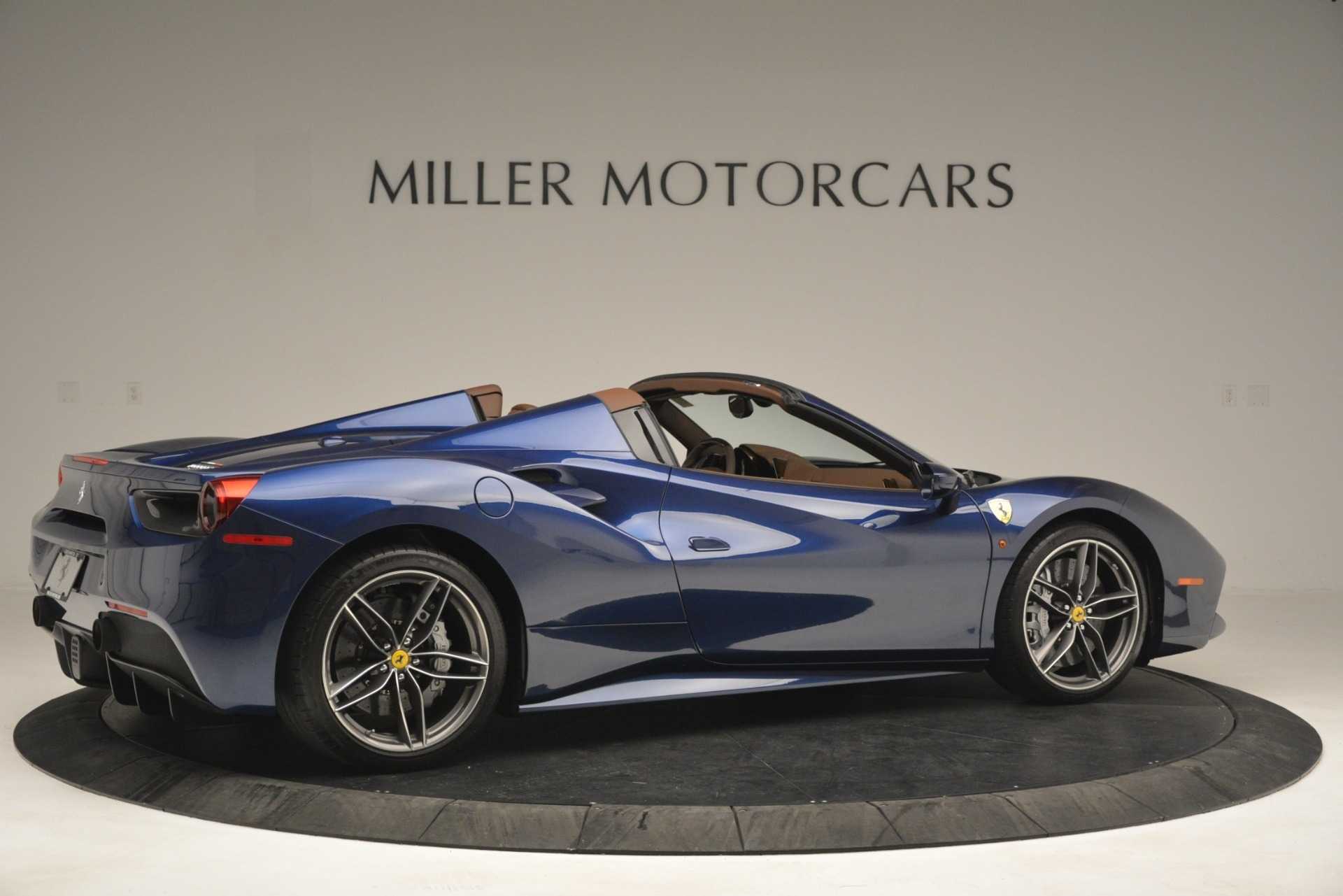 Used 2018 Ferrari 488 Spider  For Sale In Westport, CT 3045_p8