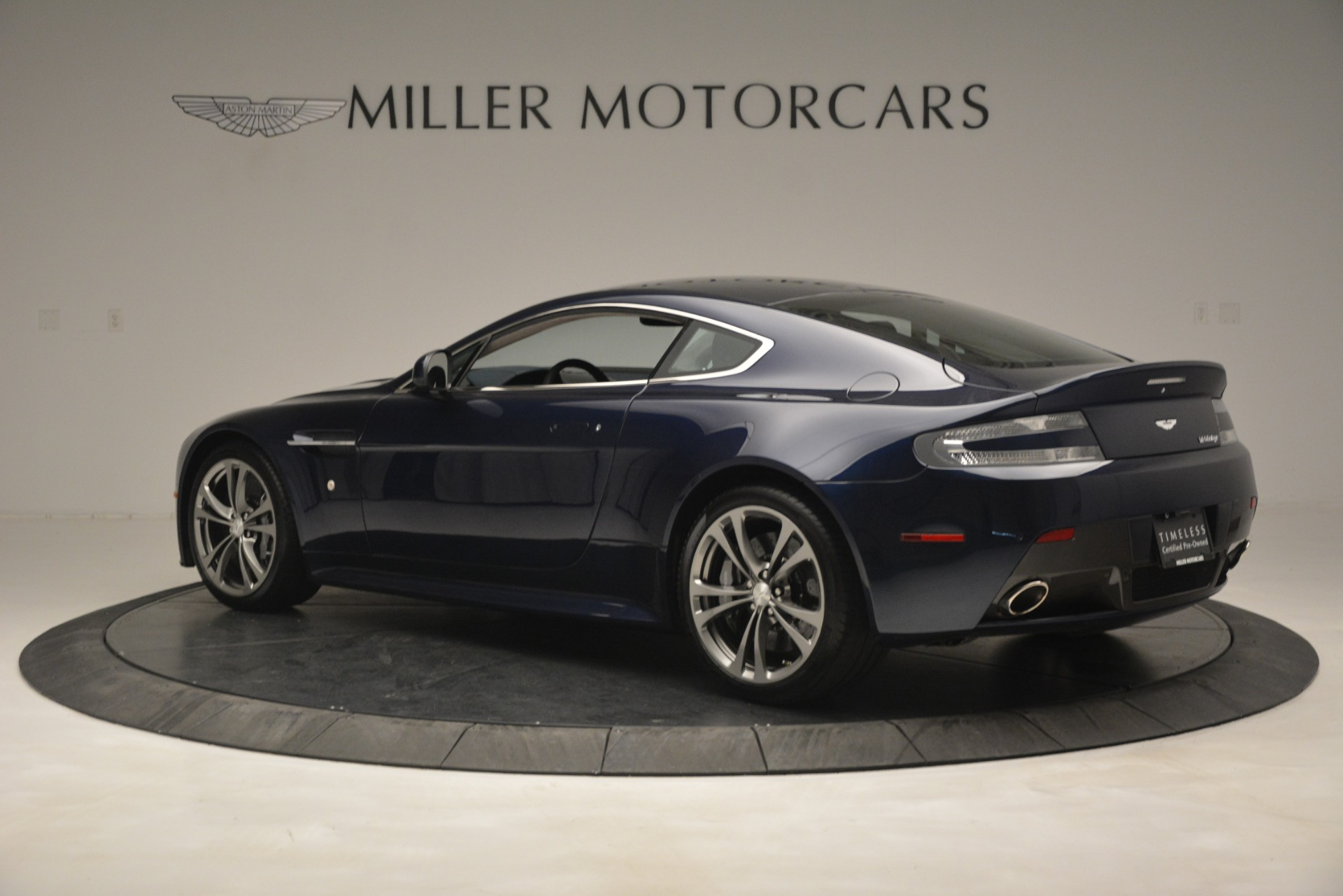 Used 2012 Aston Martin V12 Vantage  For Sale In Westport, CT 3046_p4