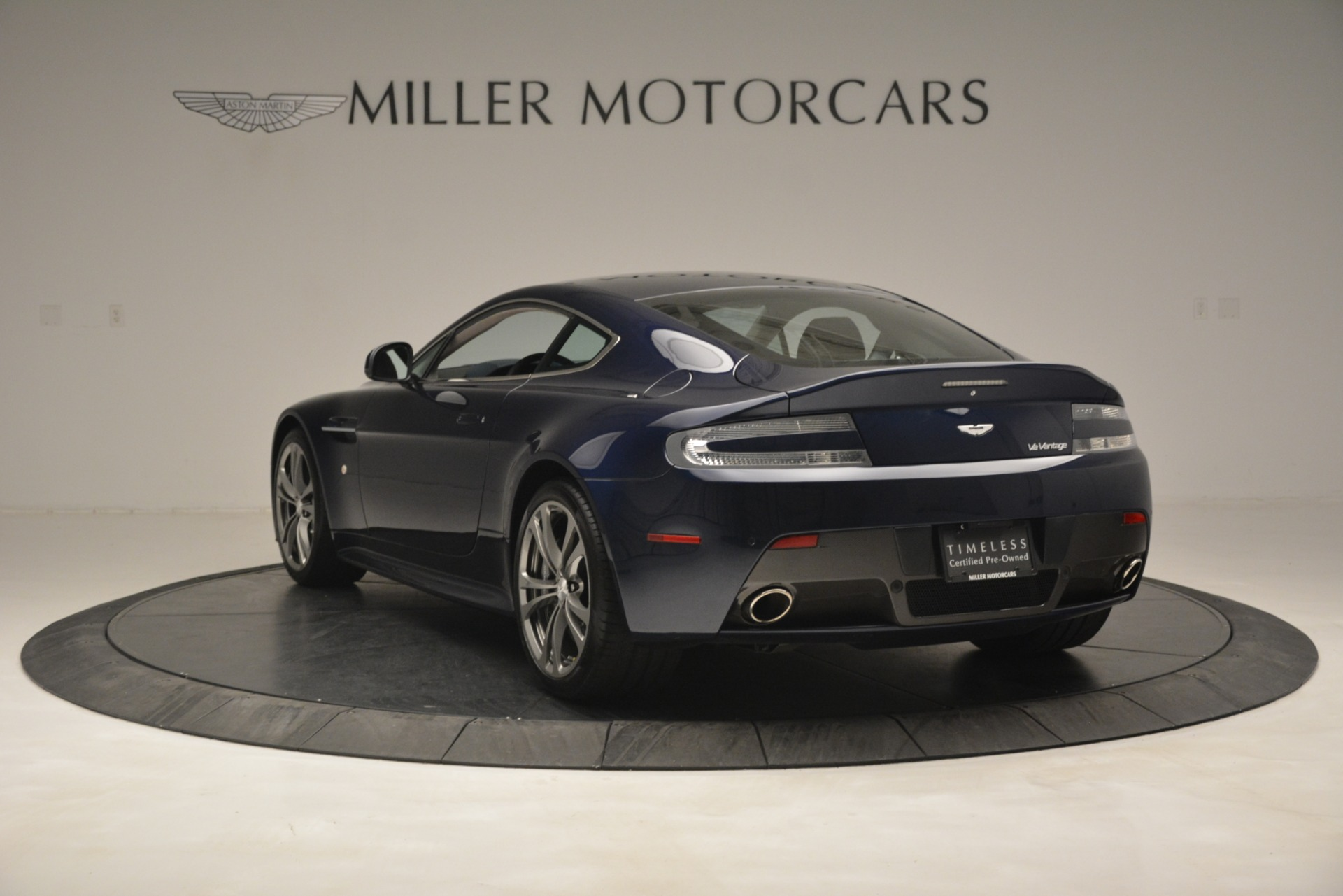Used 2012 Aston Martin V12 Vantage  For Sale In Westport, CT 3046_p5