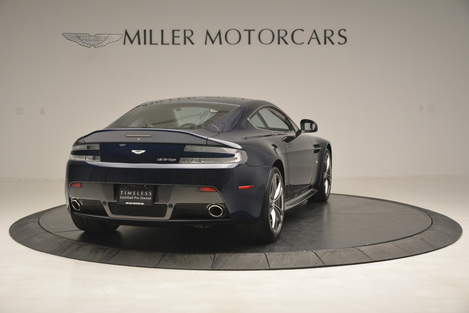Used 2012 Aston Martin V12 Vantage  For Sale In Westport, CT 3046_p7