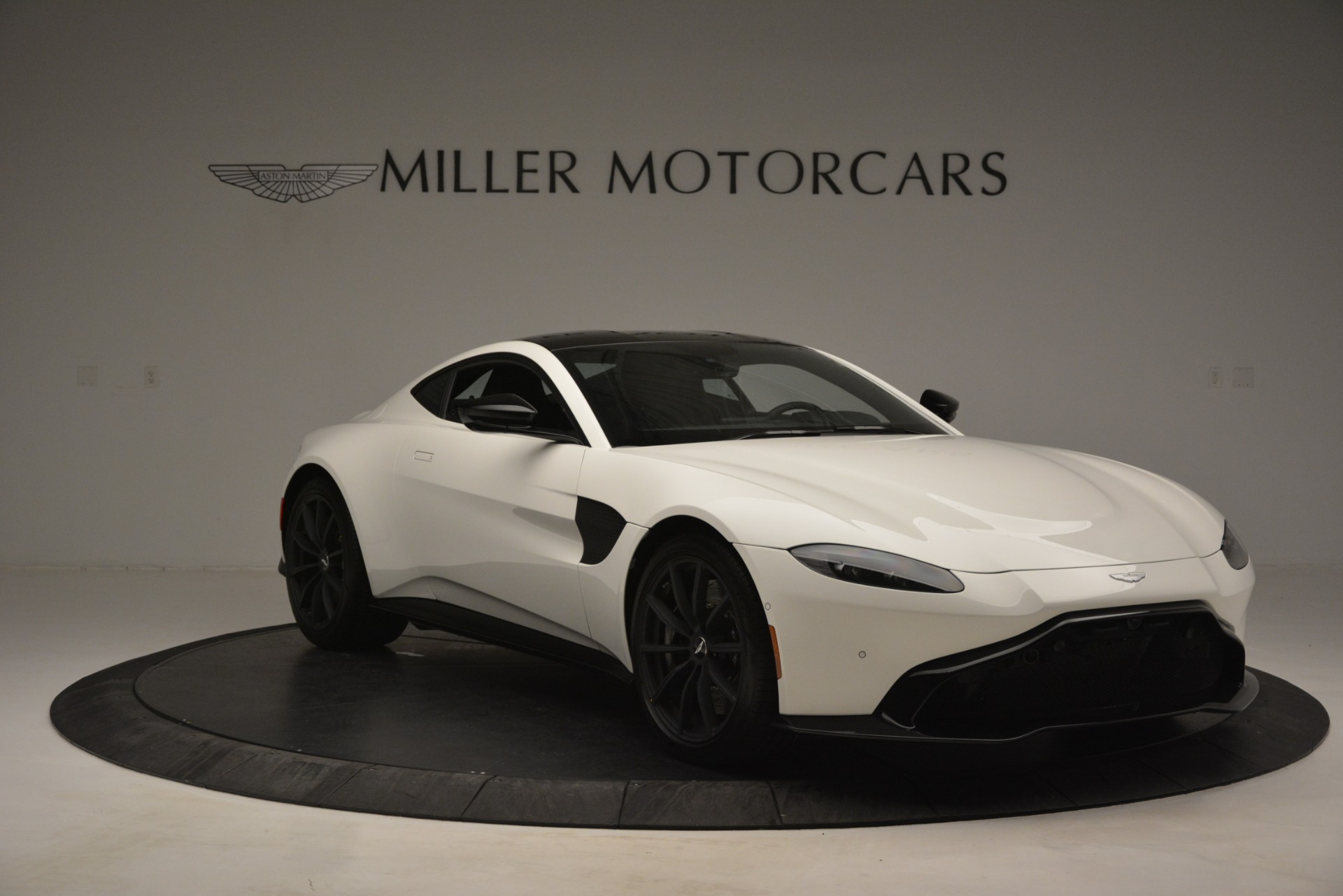 New 2019 Aston Martin Vantage V8 For Sale In Westport, CT 3053_p11