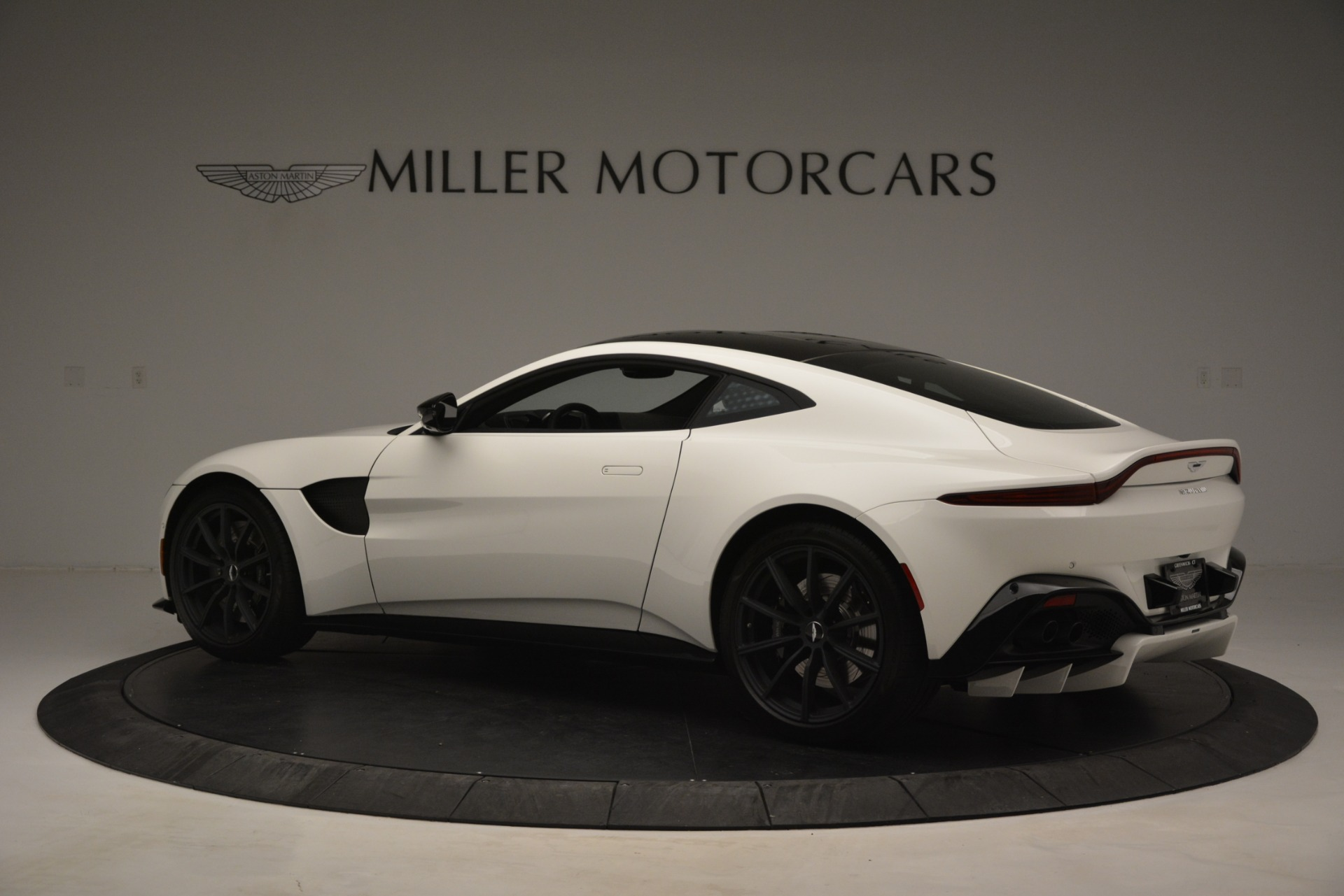New 2019 Aston Martin Vantage V8 For Sale In Westport, CT 3053_p4