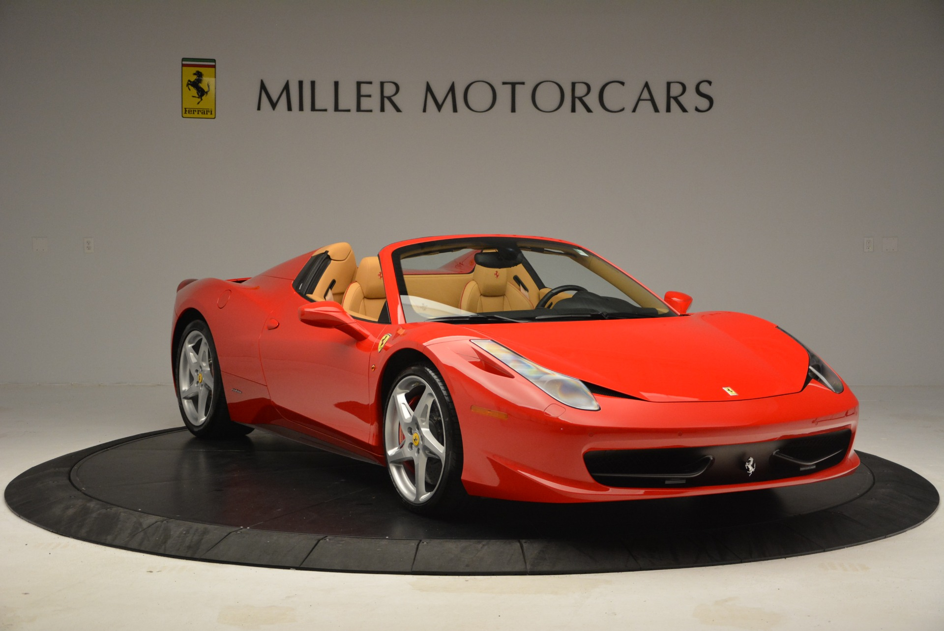 Used 2013 Ferrari 458 Spider  For Sale In Westport, CT 3057_p11