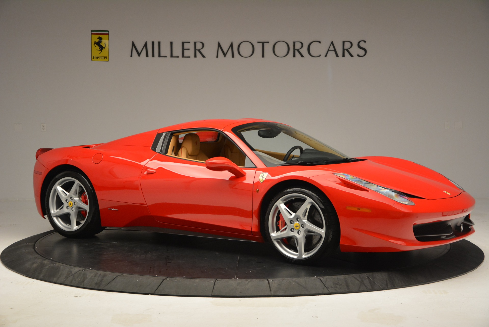 Used 2013 Ferrari 458 Spider  For Sale In Westport, CT 3057_p22