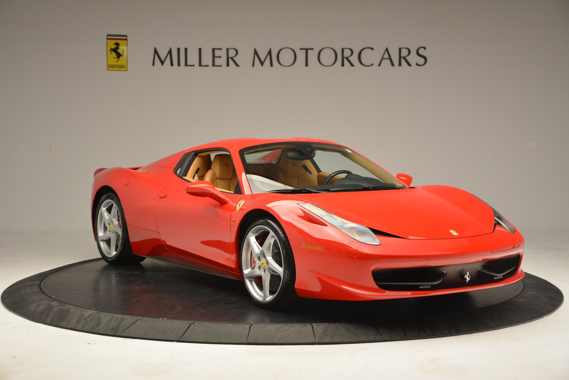 Used 2013 Ferrari 458 Spider  For Sale In Westport, CT 3057_p23