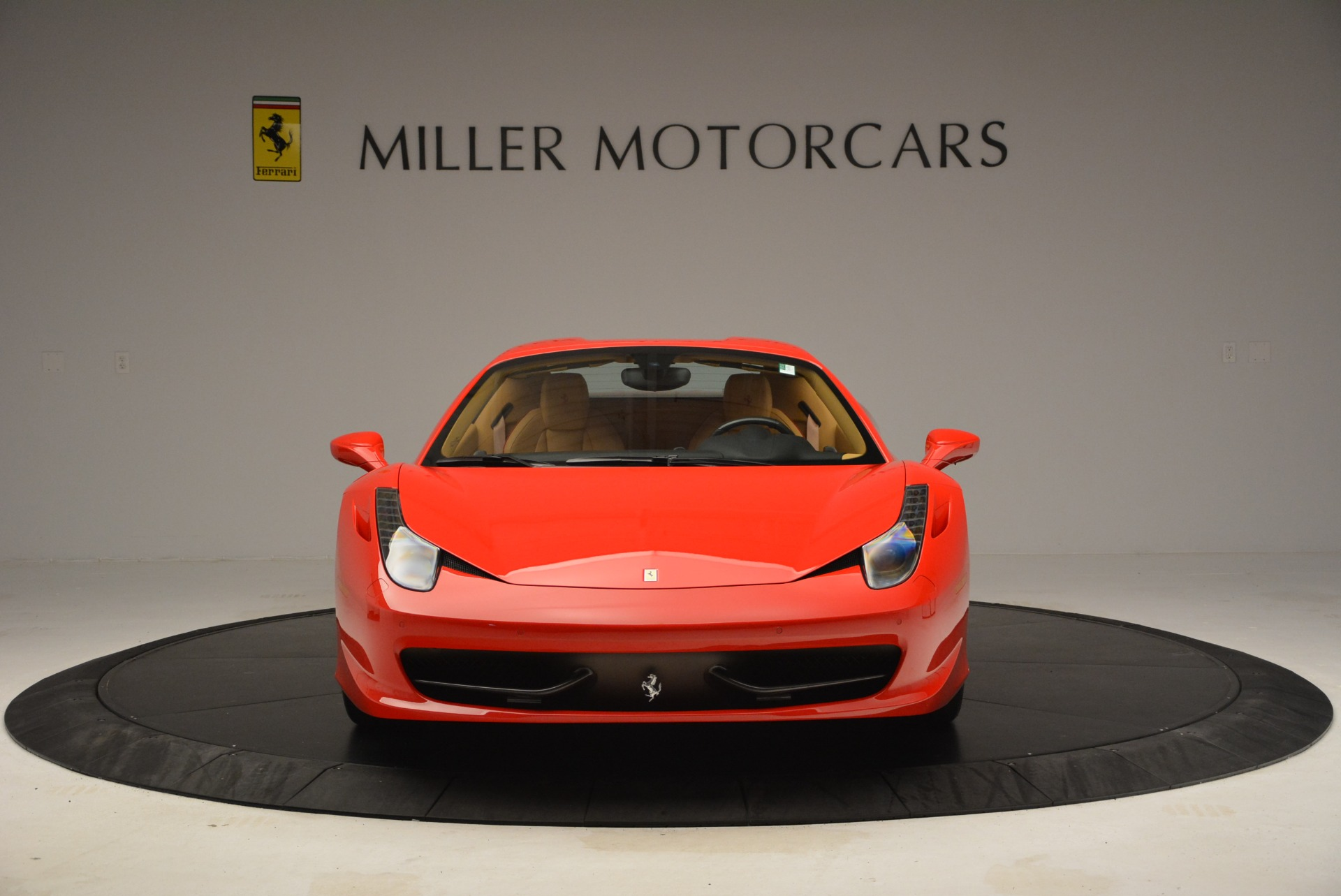 Used 2013 Ferrari 458 Spider  For Sale In Westport, CT 3057_p24