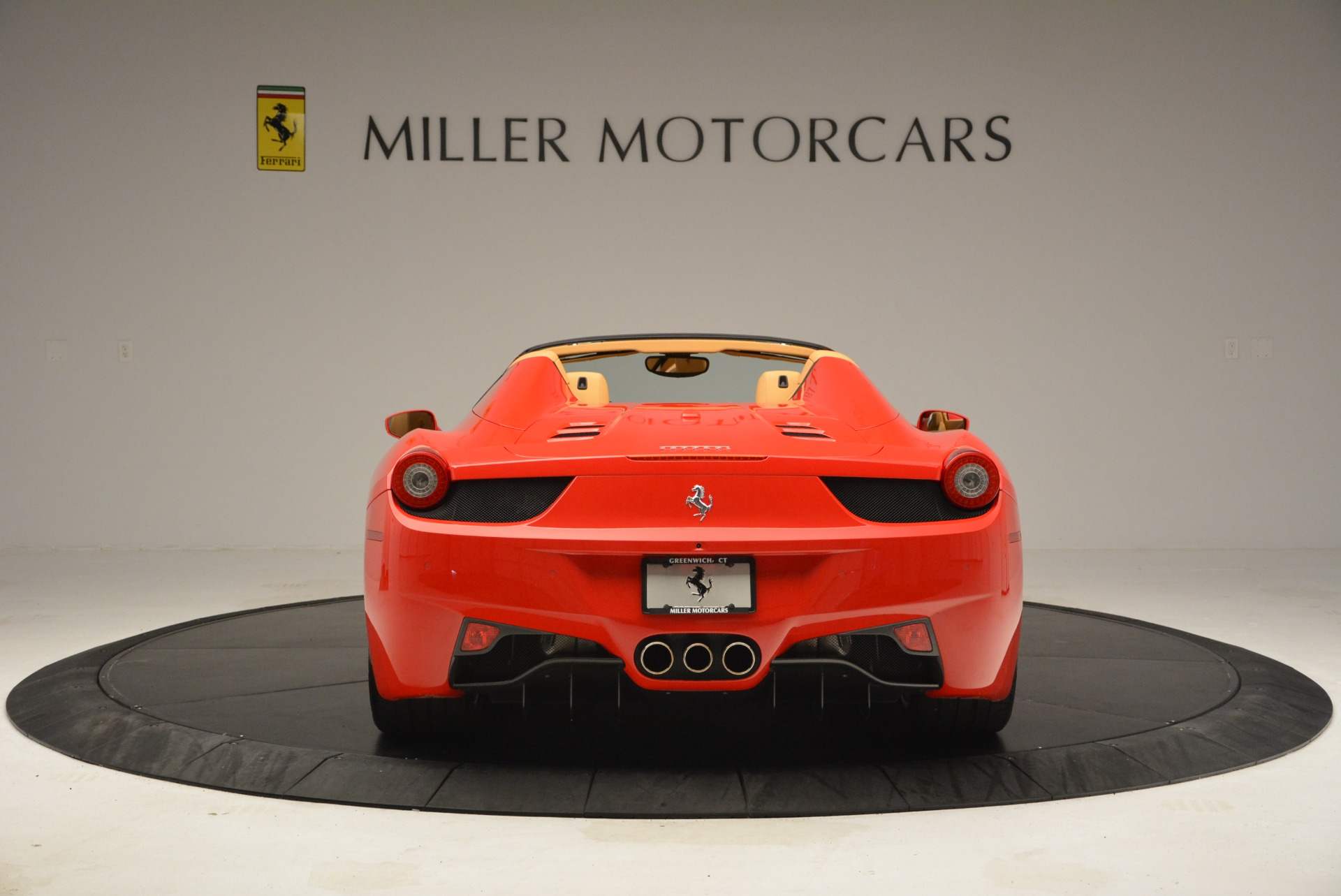 Used 2013 Ferrari 458 Spider  For Sale In Westport, CT 3057_p6