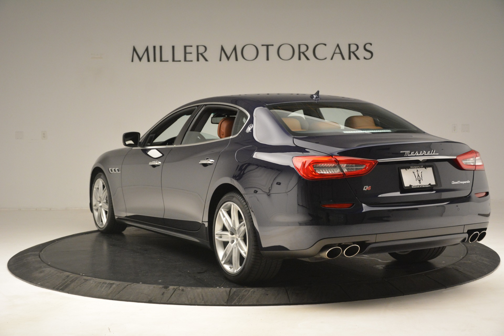 Used 2015 Maserati Quattroporte S Q4 For Sale In Westport, CT 3058_p5