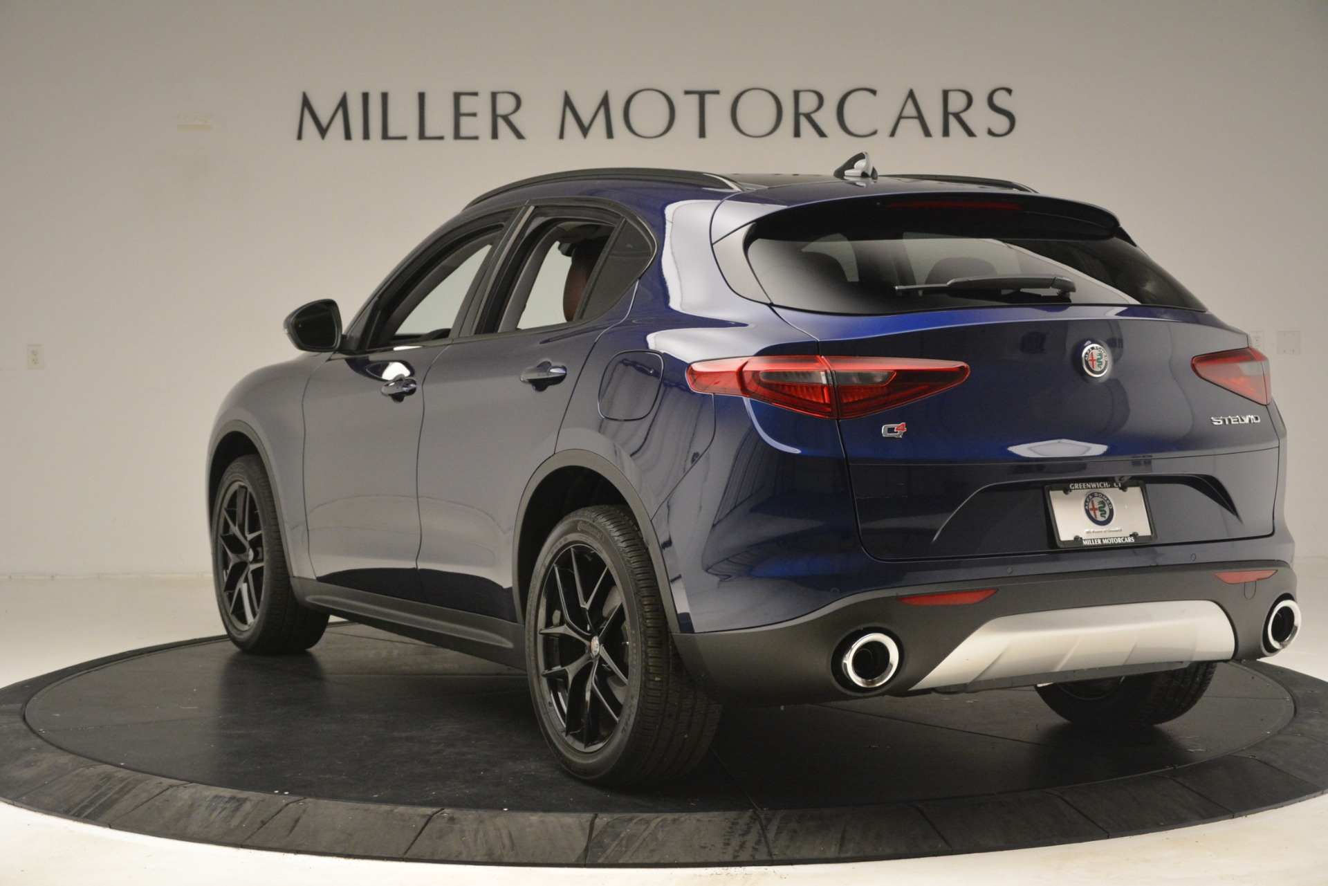 New 2019 Alfa Romeo Stelvio Sport Q4 For Sale In Westport, CT 3060_p5