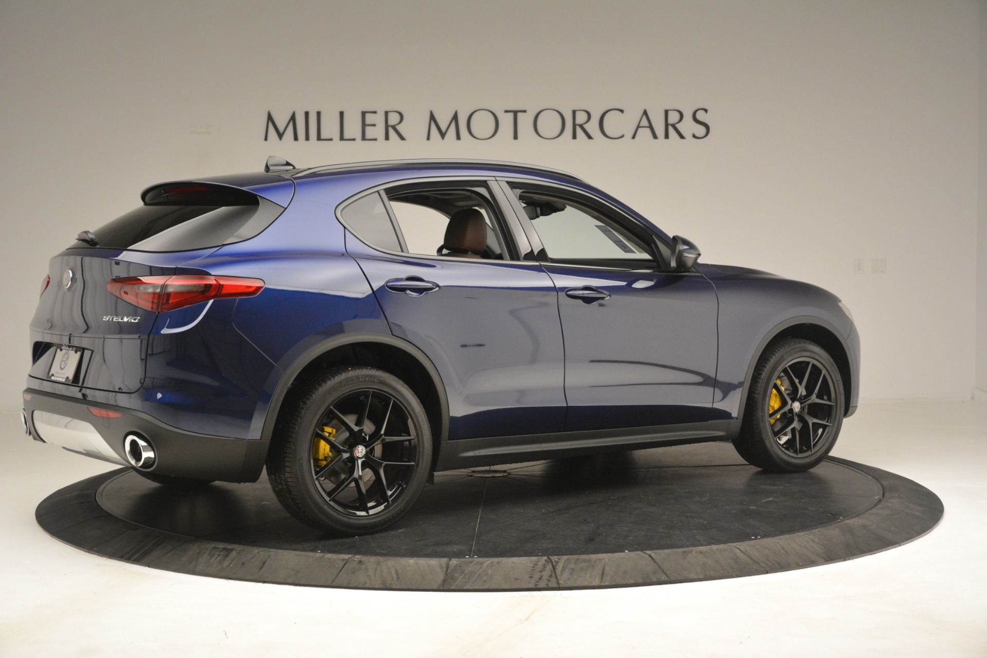 New 2019 Alfa Romeo Stelvio Sport Q4 For Sale In Westport, CT 3060_p8